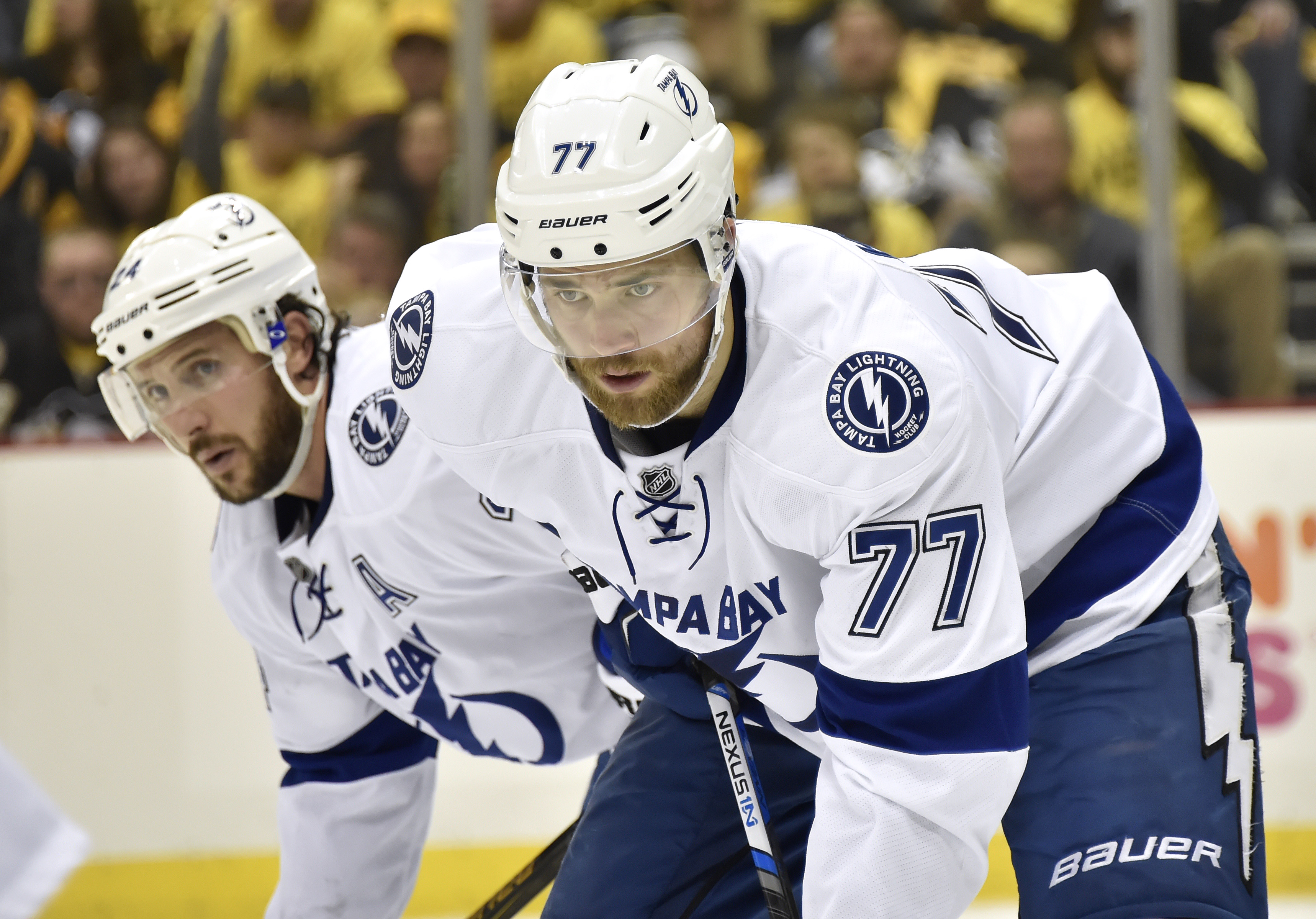 9305798-nhl-stanley-cup-playoffs-tampa-bay-lightning-at-pittsburgh-penguins