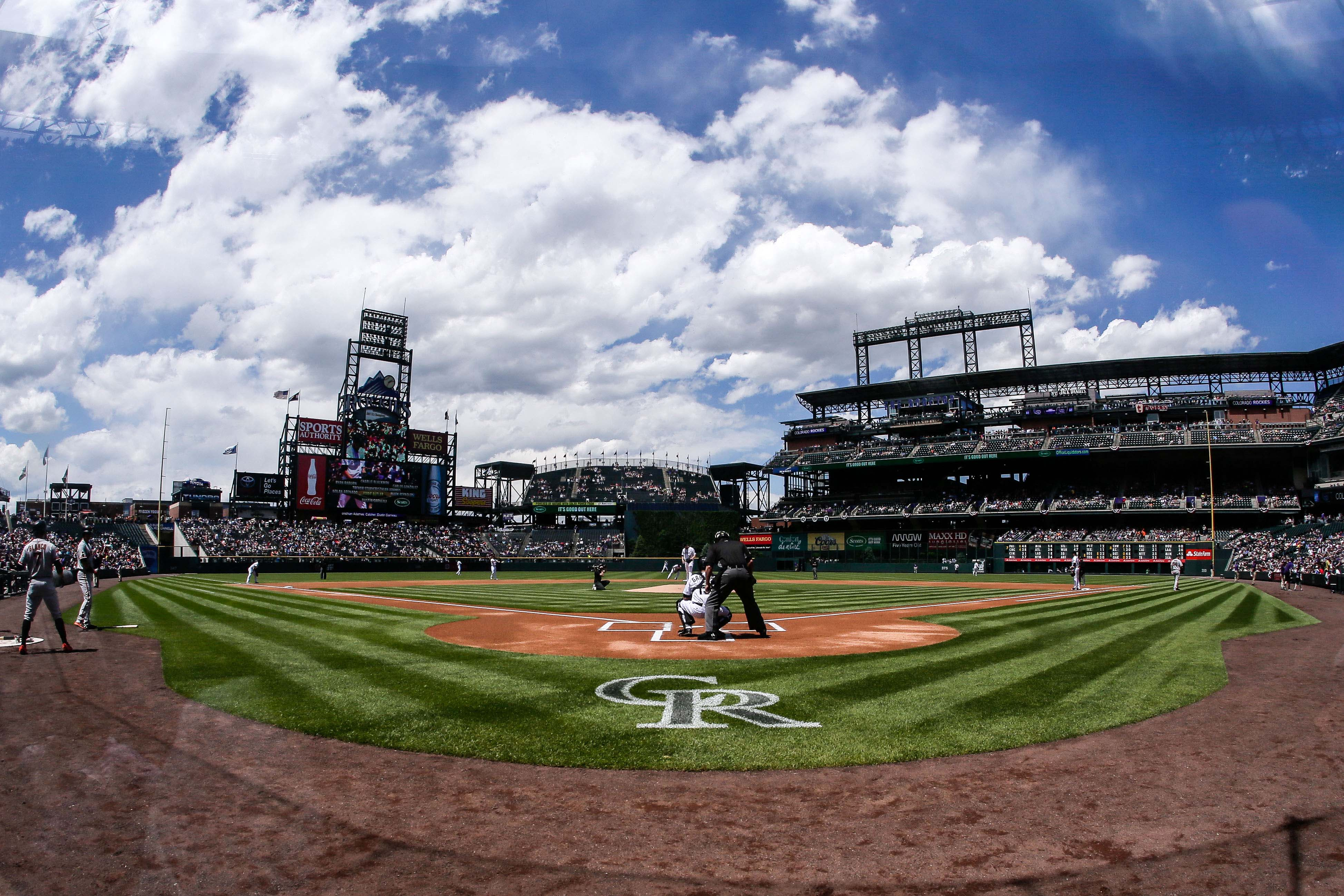 9313432-mlb-san-francisco-giants-at-colorado-rockies