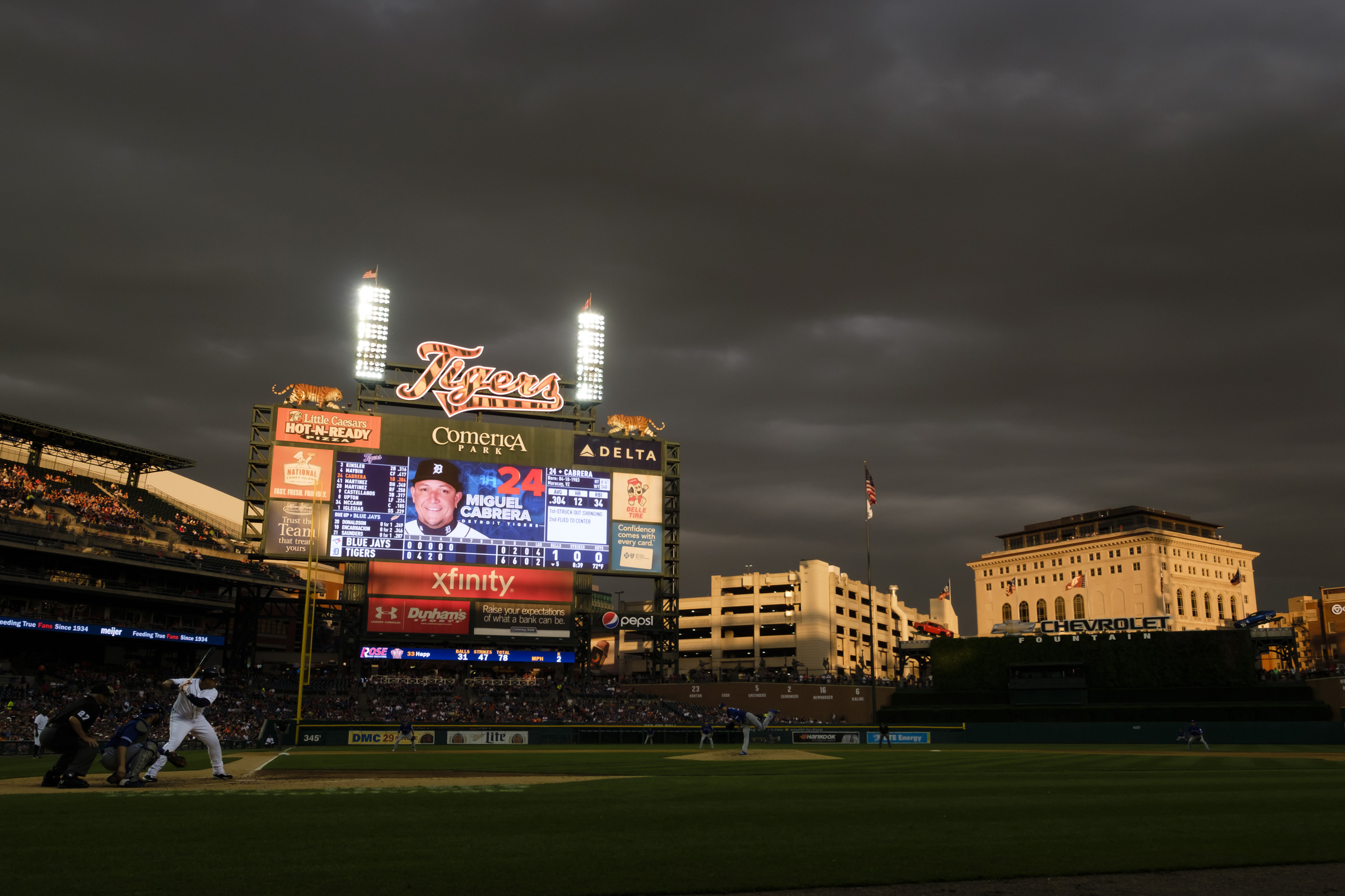 9327653-mlb-toronto-blue-jays-at-detroit-tigers
