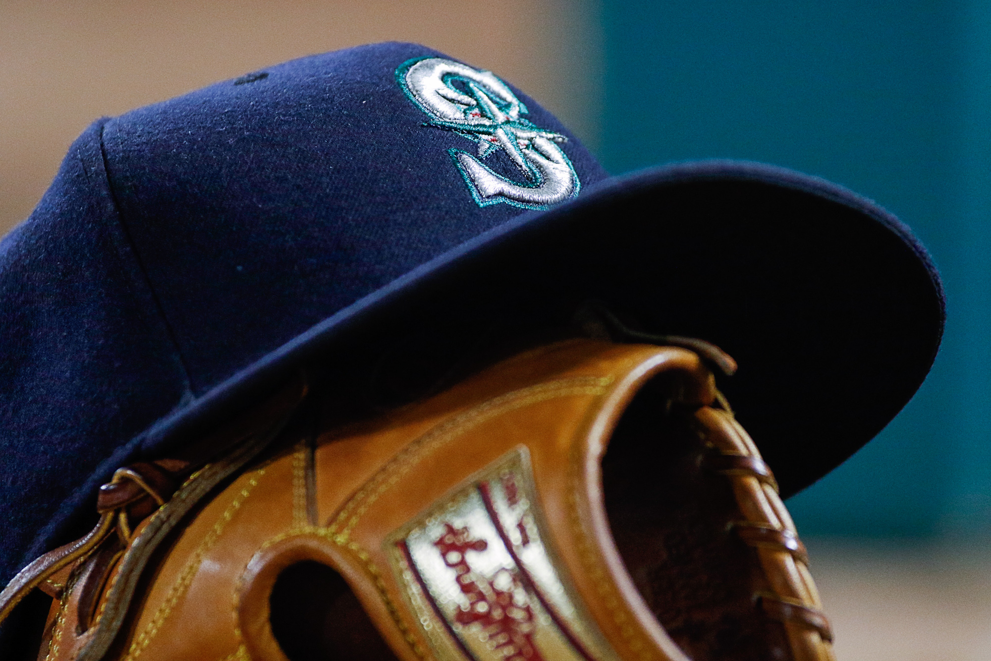 9332981-mlb-seattle-mariners-at-texas-rangers