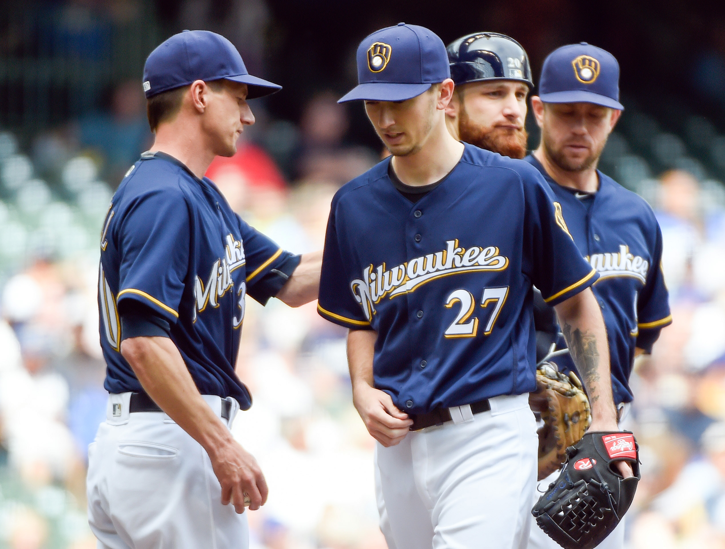 9337723-mlb-new-york-mets-at-milwaukee-brewers