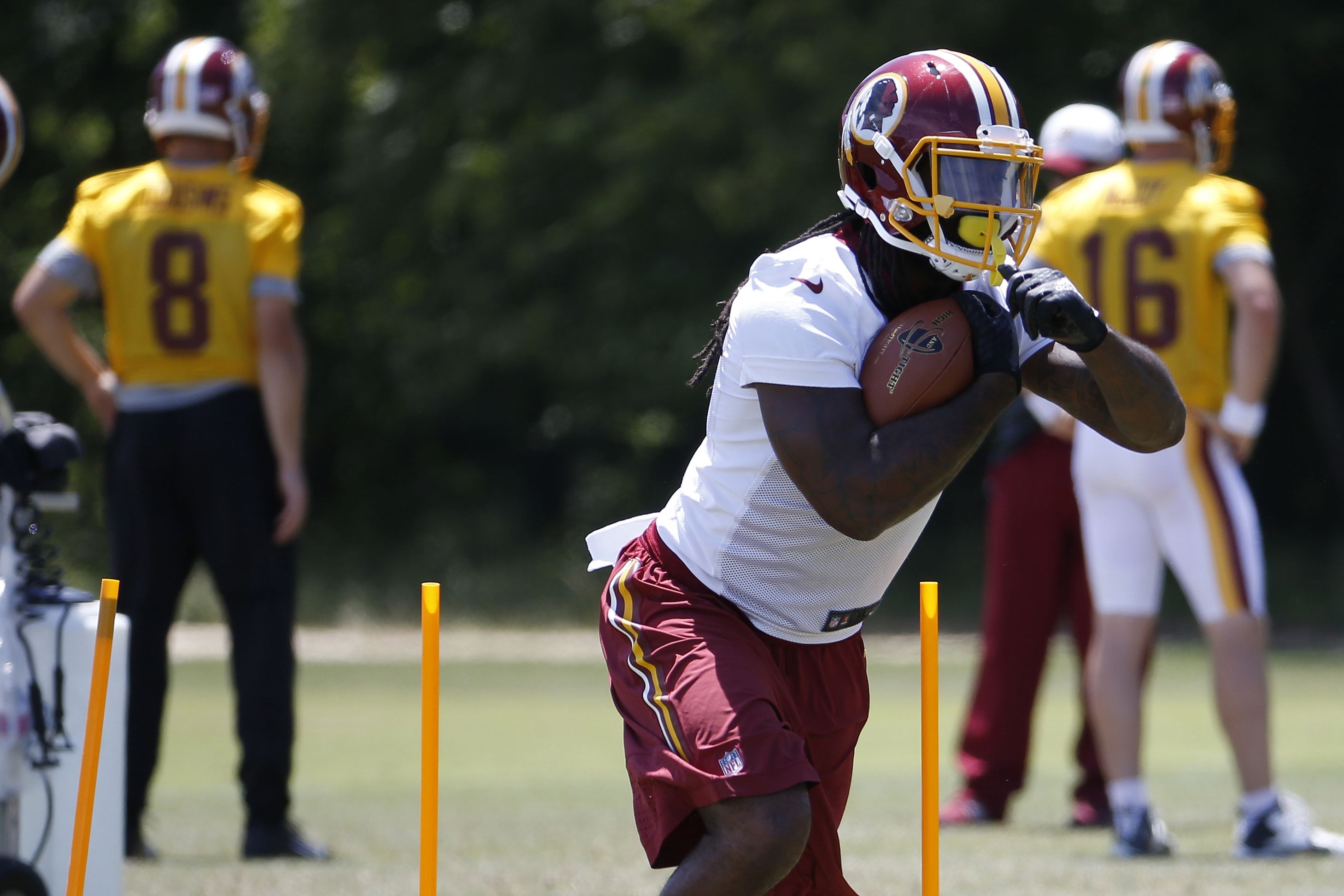 9339948-nfl-washington-redskins-minicamp