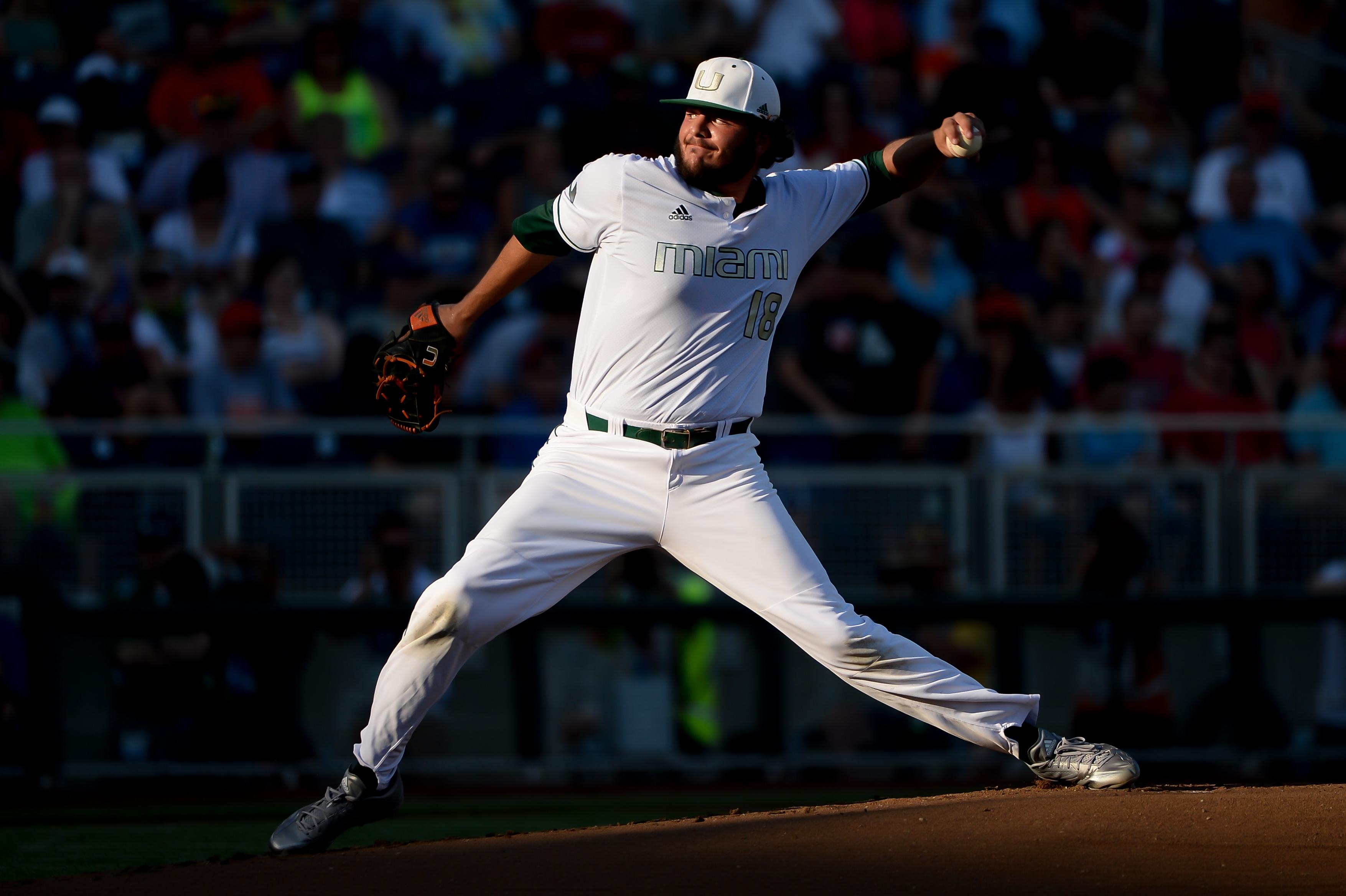 9347630-ncaa-baseball-college-world-series-arizona-vs-miami