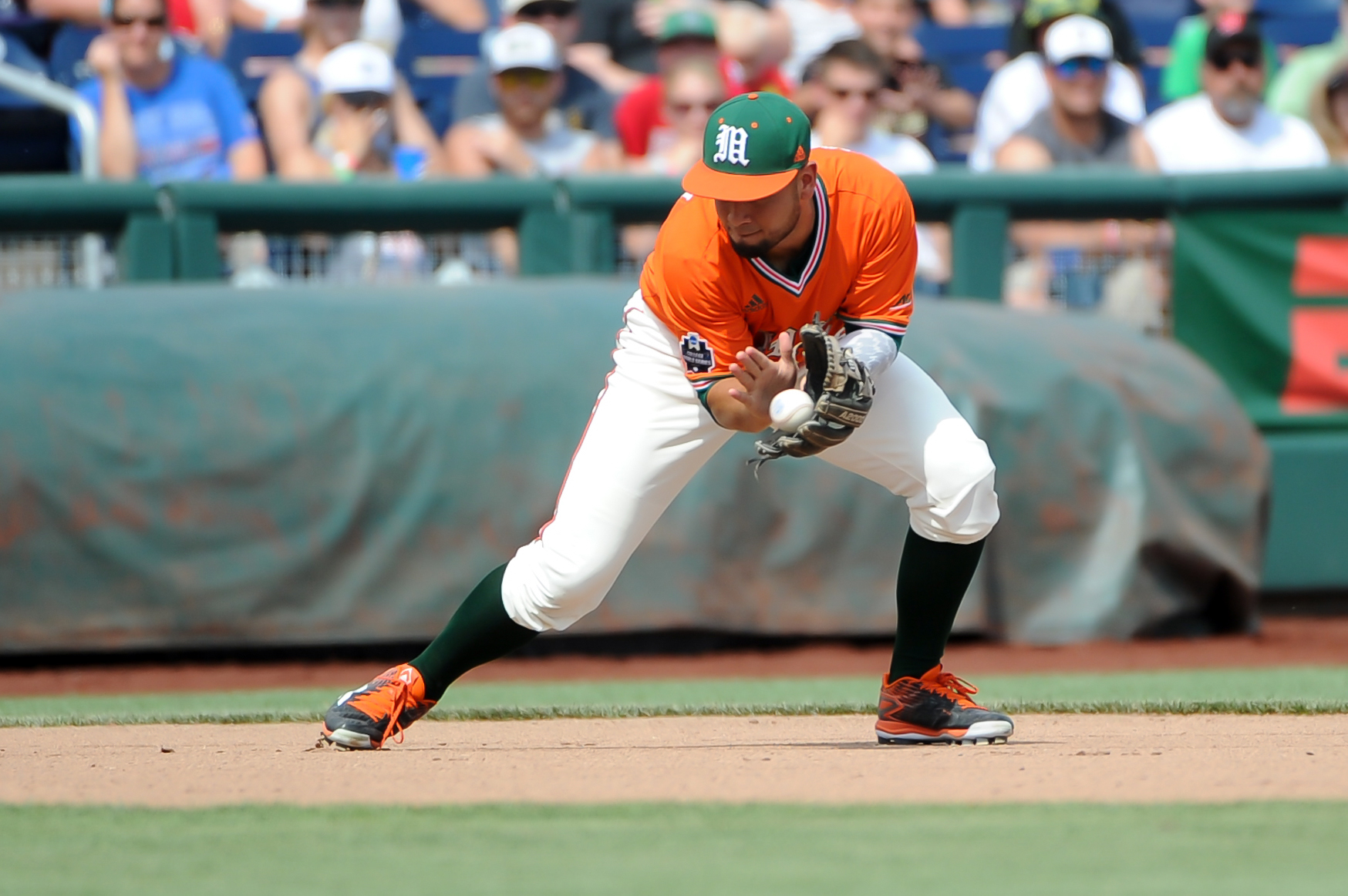 9349975-ncaa-baseball-college-world-series-miami-vs-uc-santa-barbara