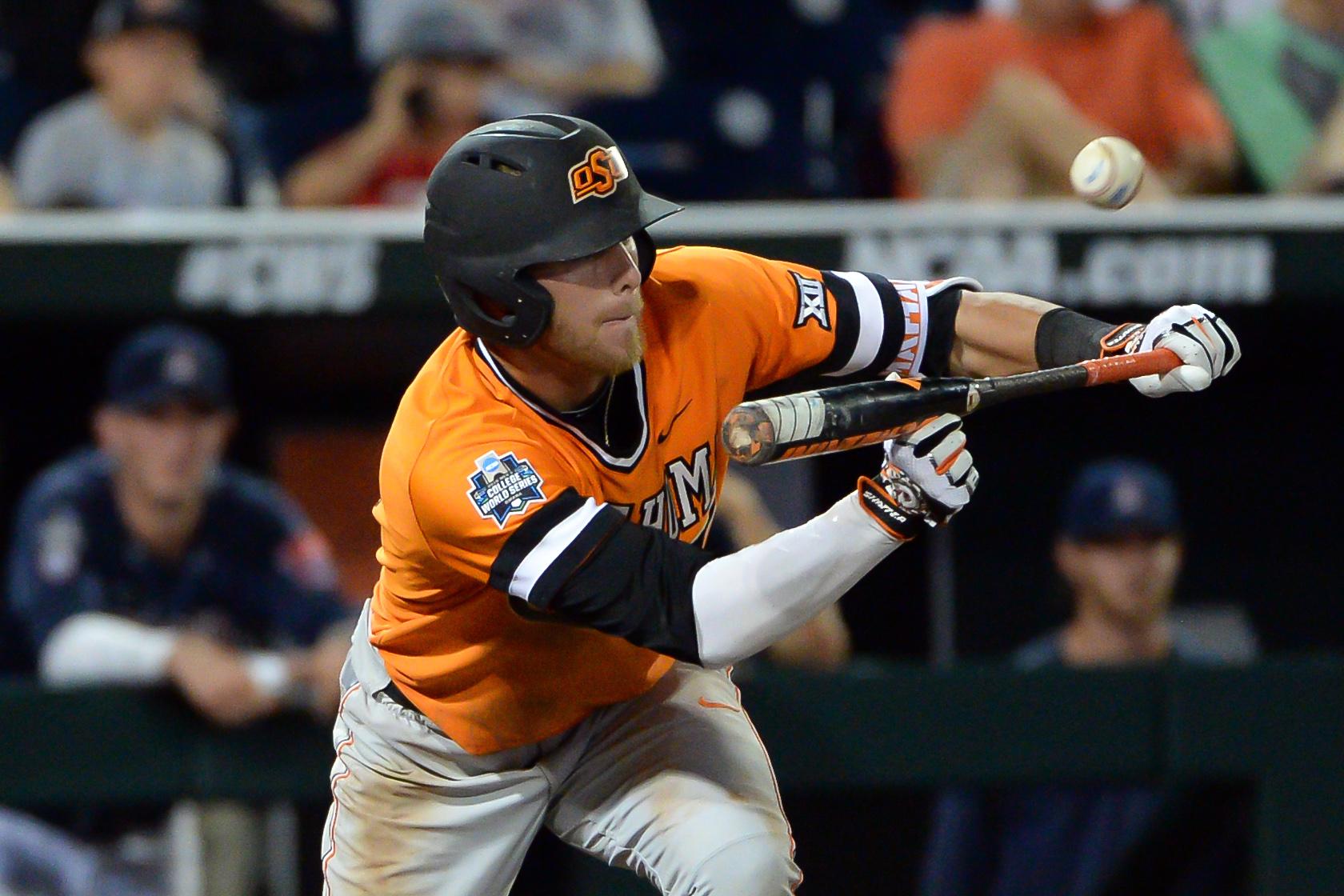 9350430-ncaa-baseball-college-world-series-arizona-vs-oklahoma-state