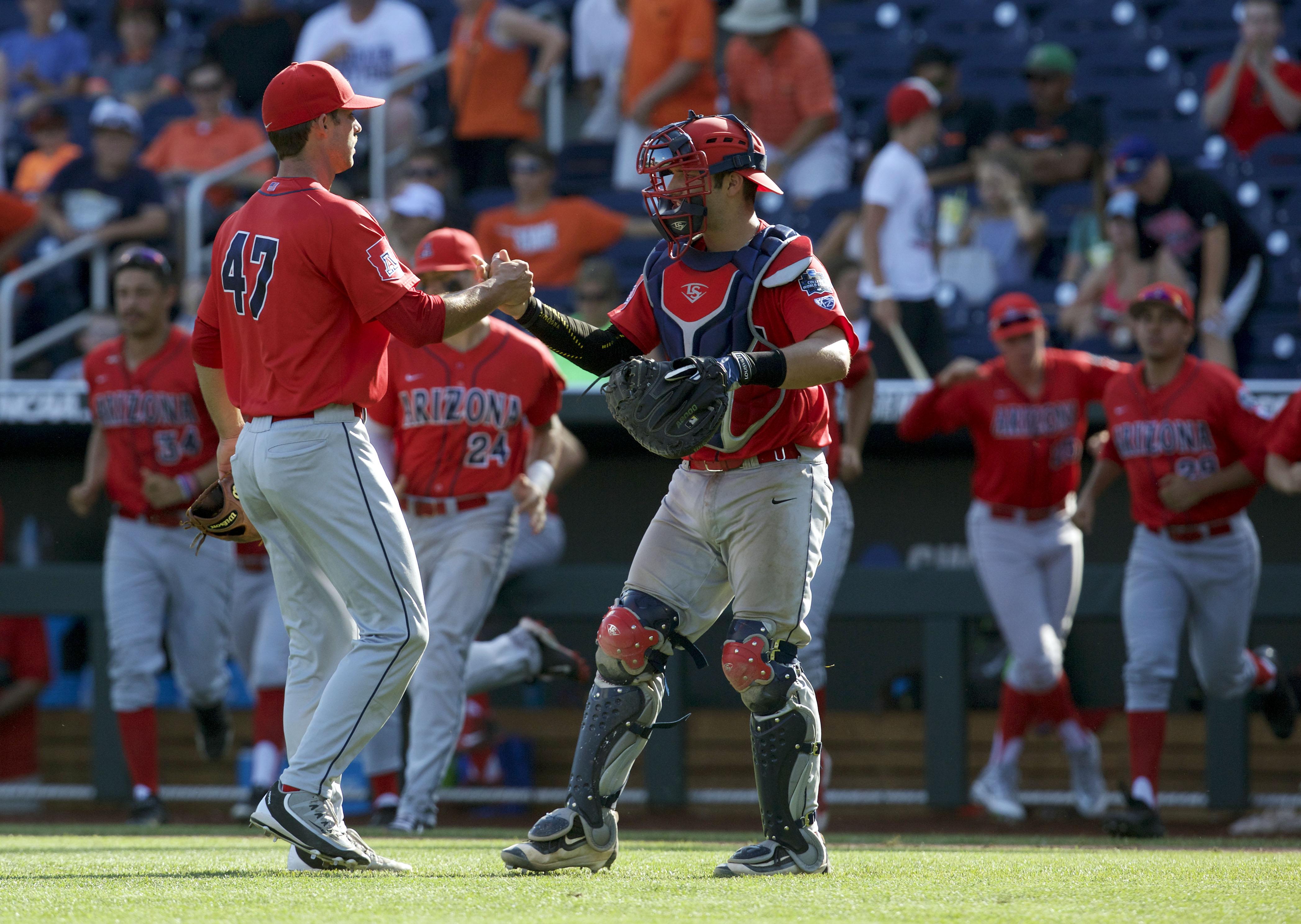 9354605-ncaa-baseball-college-world-series-arizona-vs-oklahoma-state