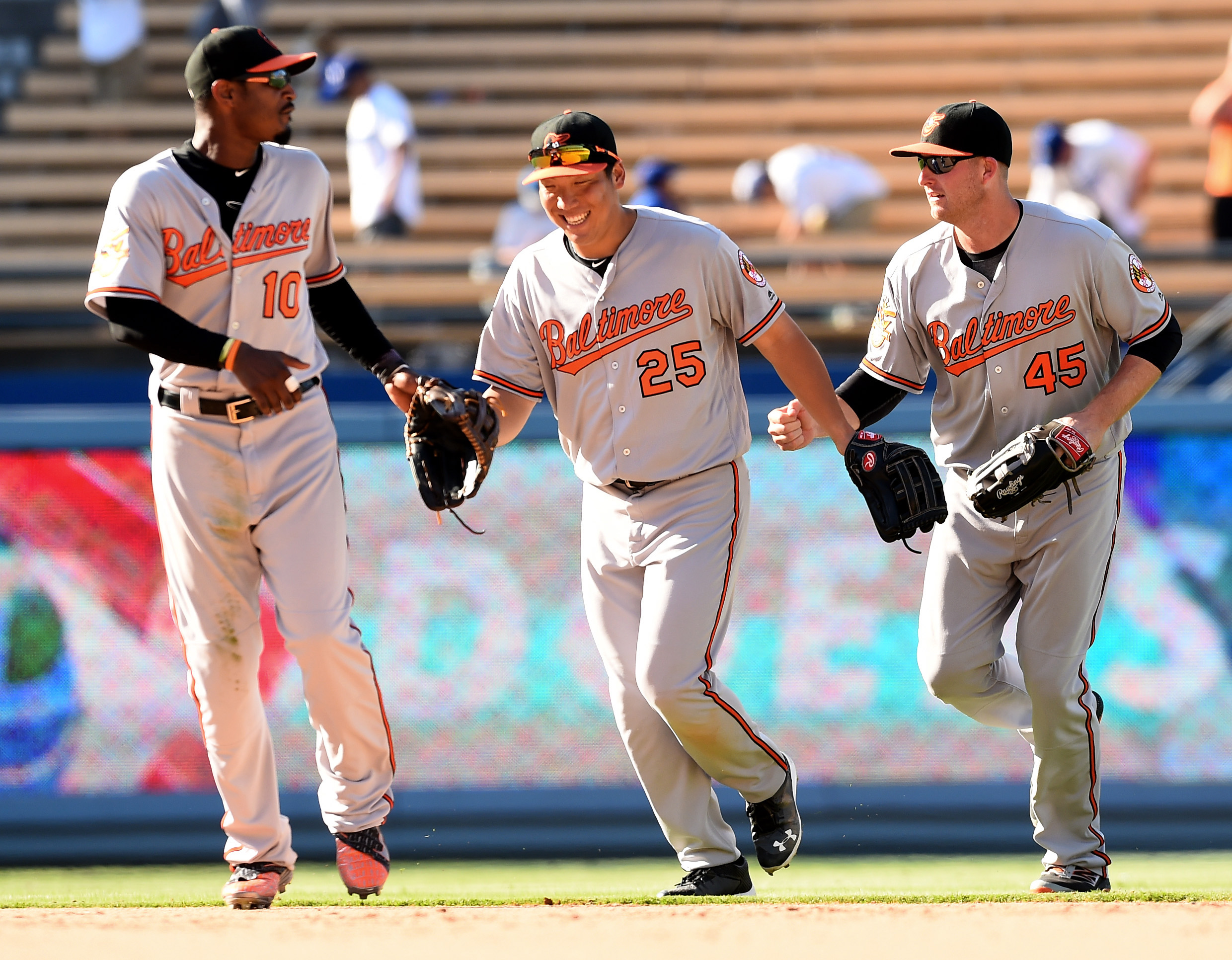 9372038-mlb-baltimore-orioles-at-los-angeles-dodgers