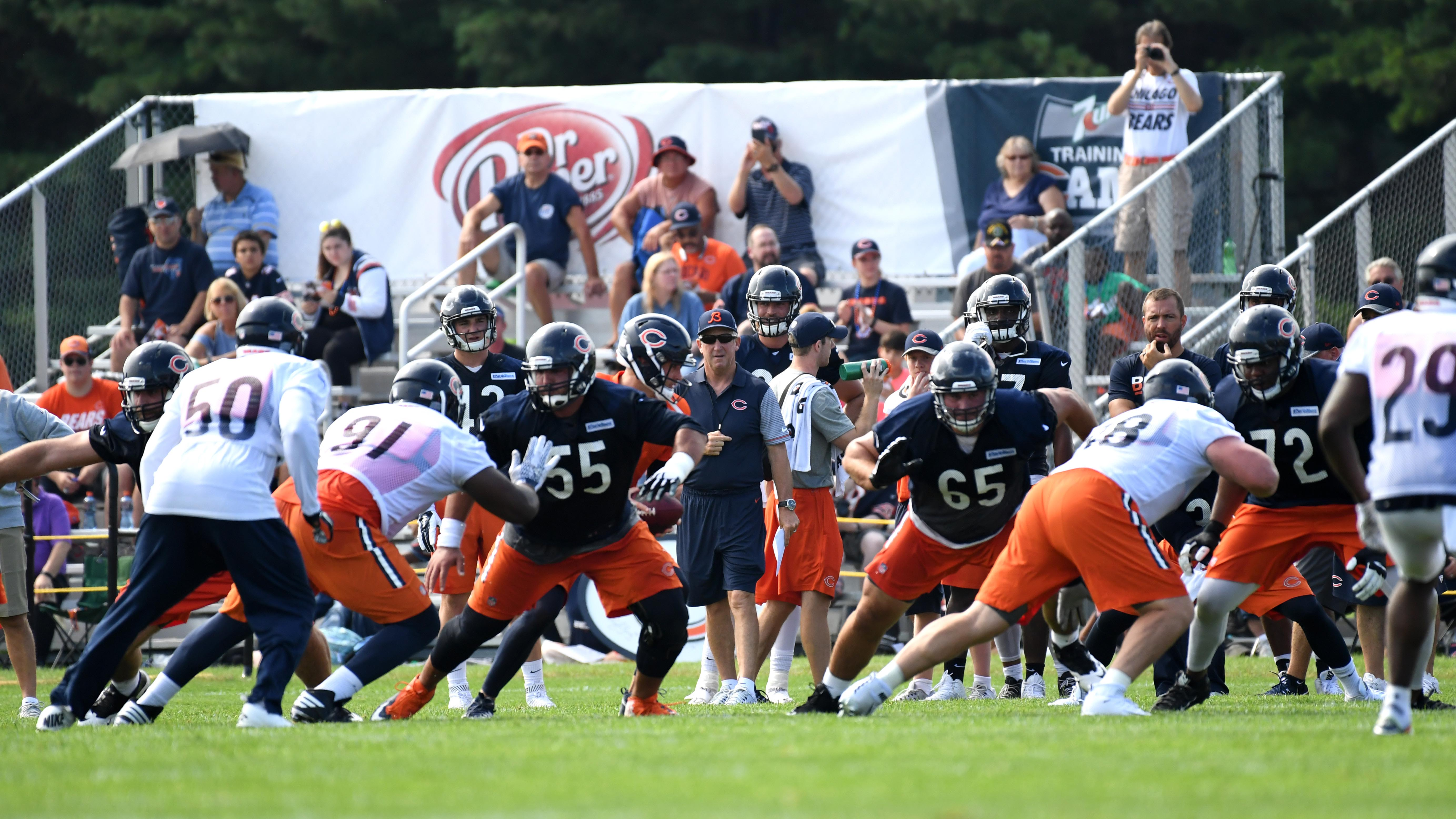 9407764-nfl-chicago-bears-training-camp