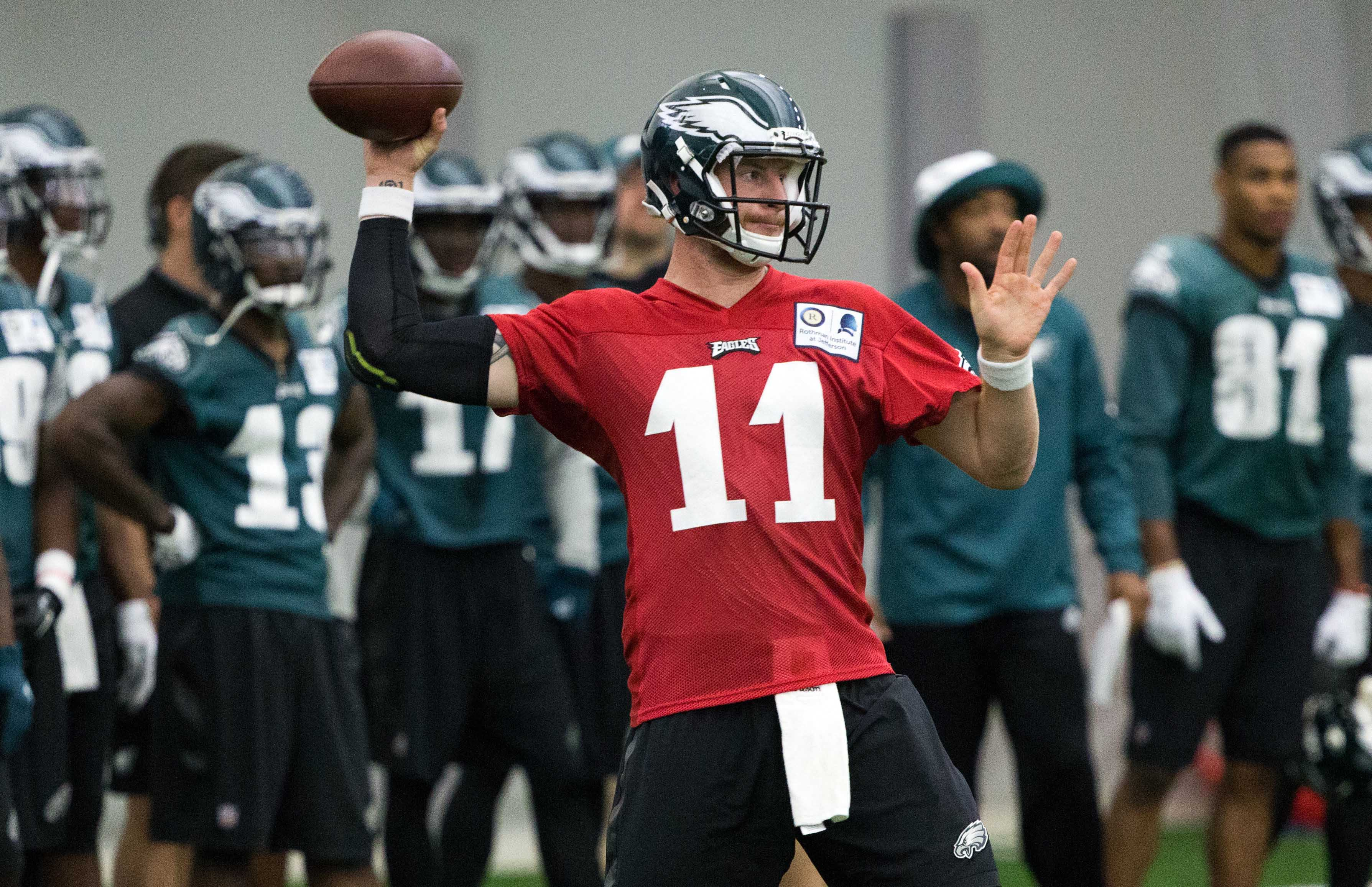 9408303-nfl-philadelphia-eagles-training-camp
