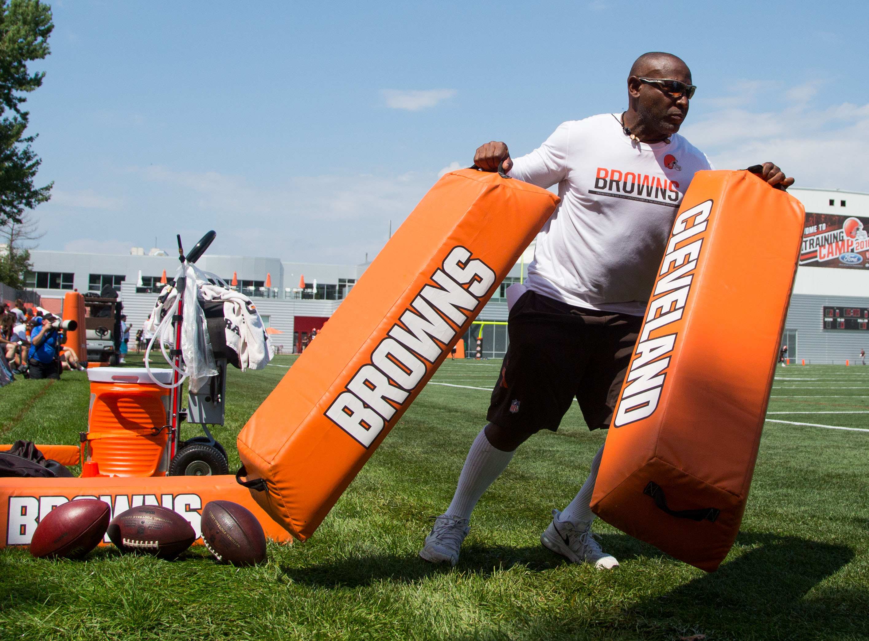 9415316-nfl-cleveland-browns-training-camp