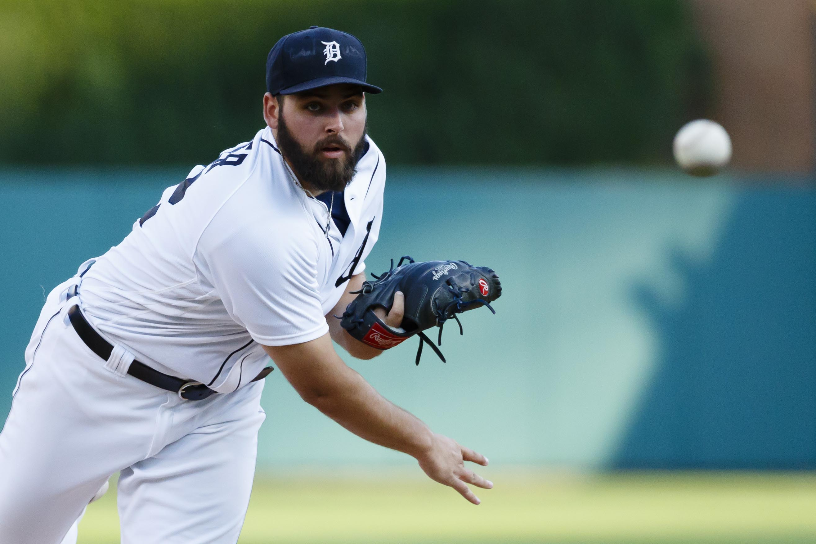 Aug 3, 2016; Detroit, MI, USA; Detroit Tigers starting pitcher Michael Fulmer (32) warms up before the second inning against the Chicago White Sox at Comerica Park. Mandatory Credit: Rick Osentoski-USA TODAY Sports