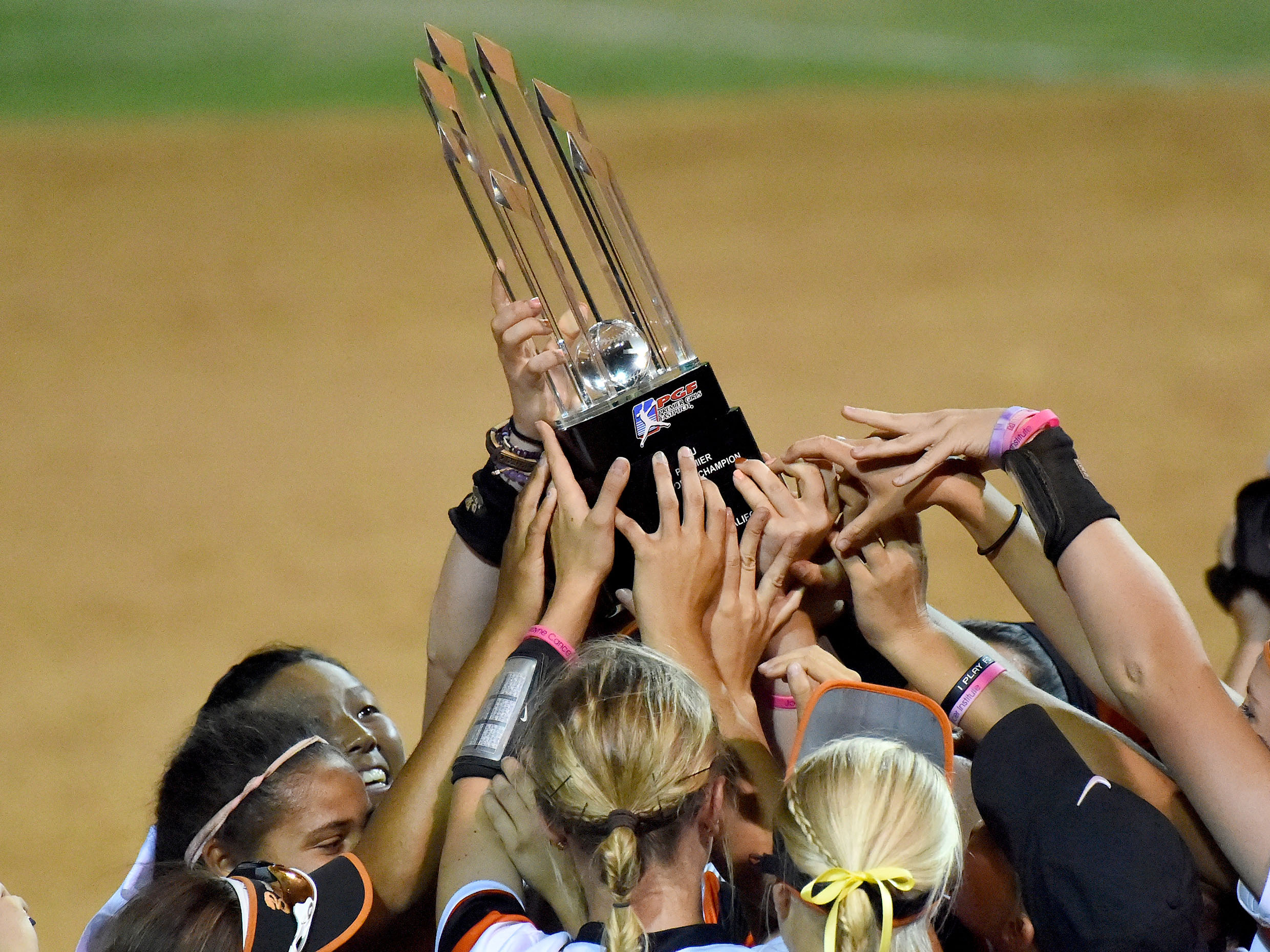 9428788-softball-pgf-nationals-championship-14u-16u-beverly-bandits-v-south-dakota-renegades