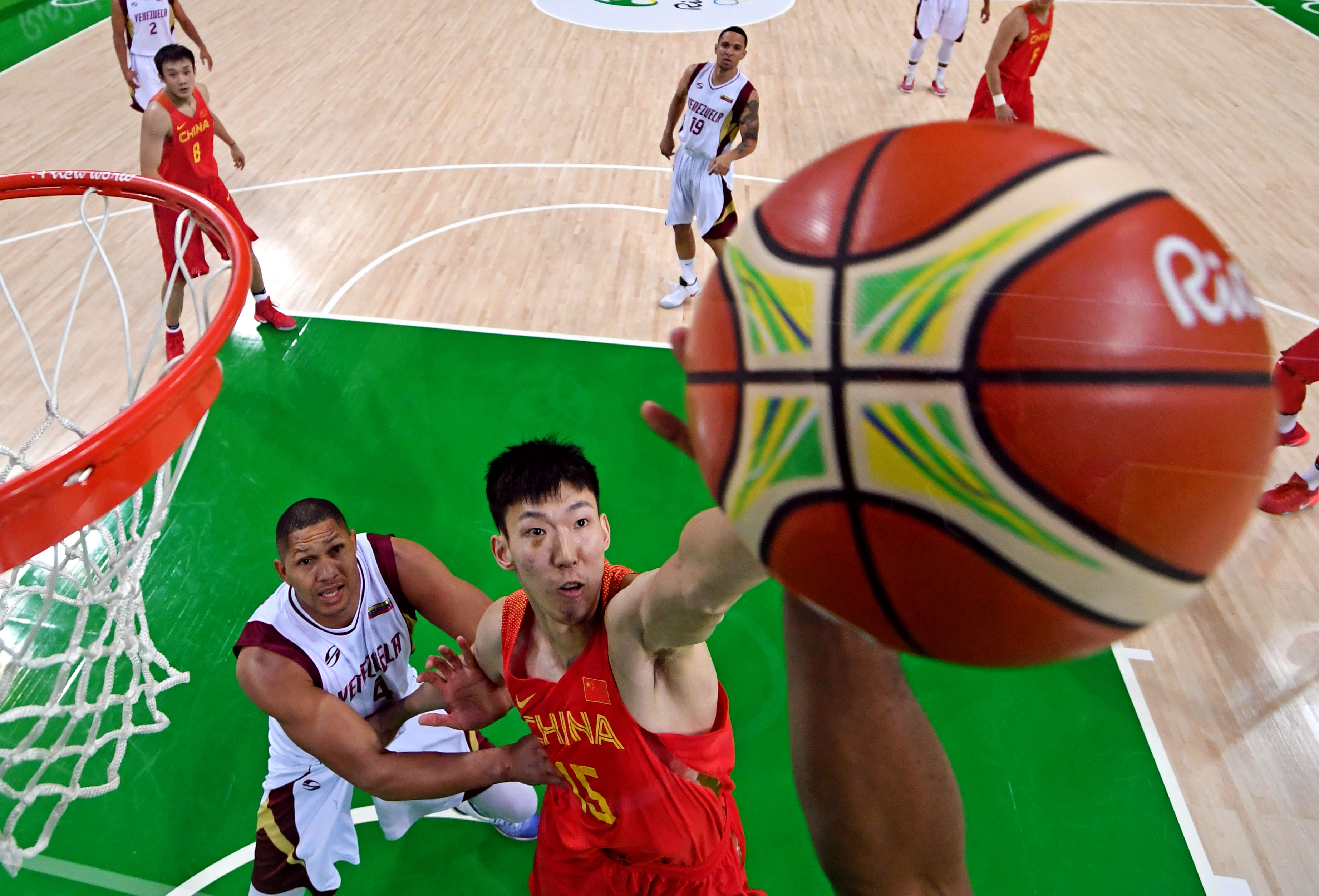 9445102-olympics-basketball-mens-team-preliminary-round-group-a-chn-vs-ven