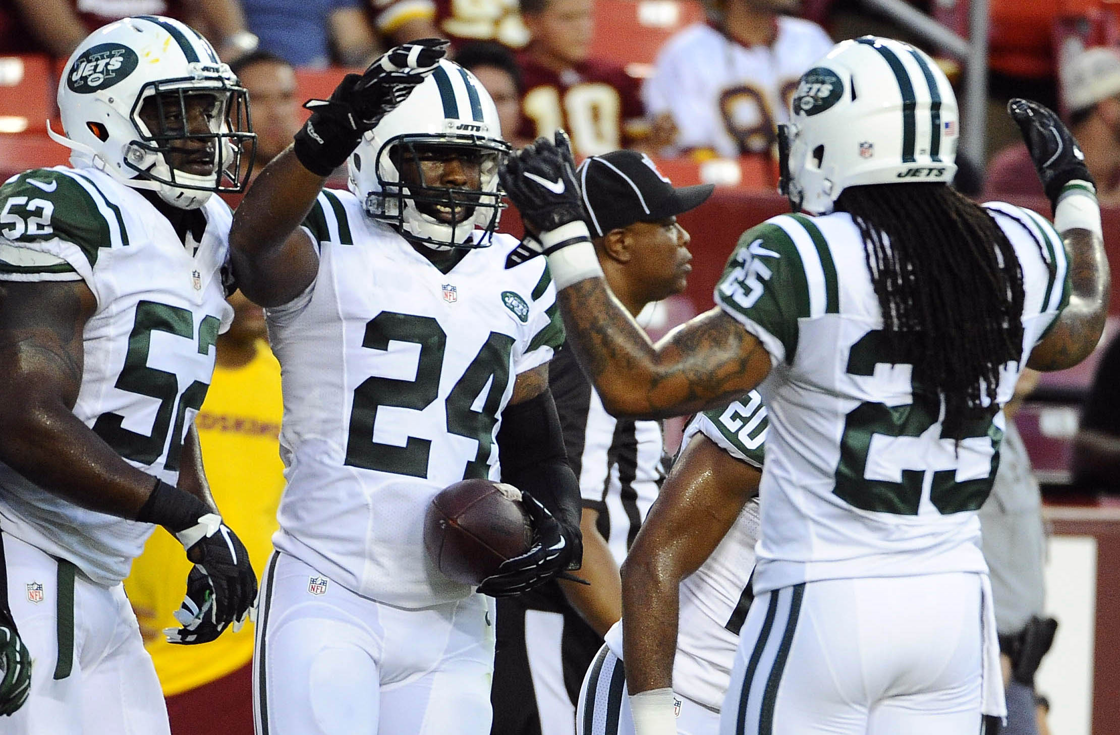 9488281-nfl-preseason-new-york-jets-at-washington-redskins