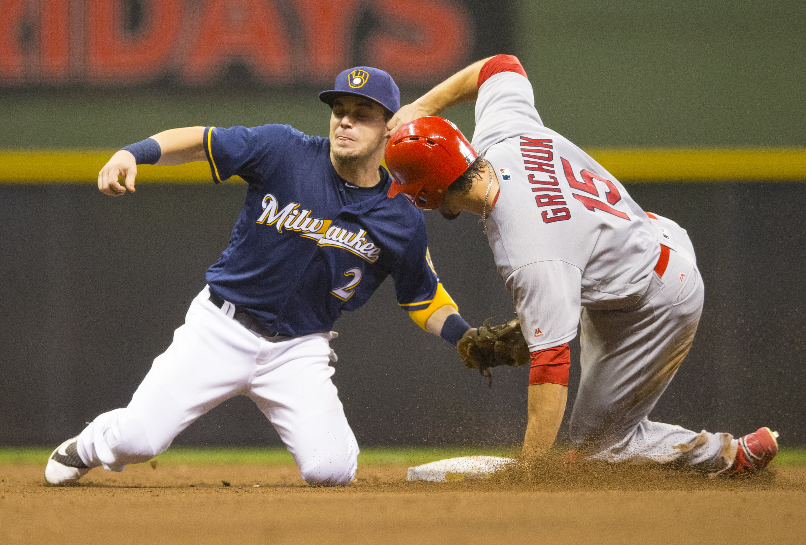 9507950-mlb-st.-louis-cardinals-at-milwaukee-brewers