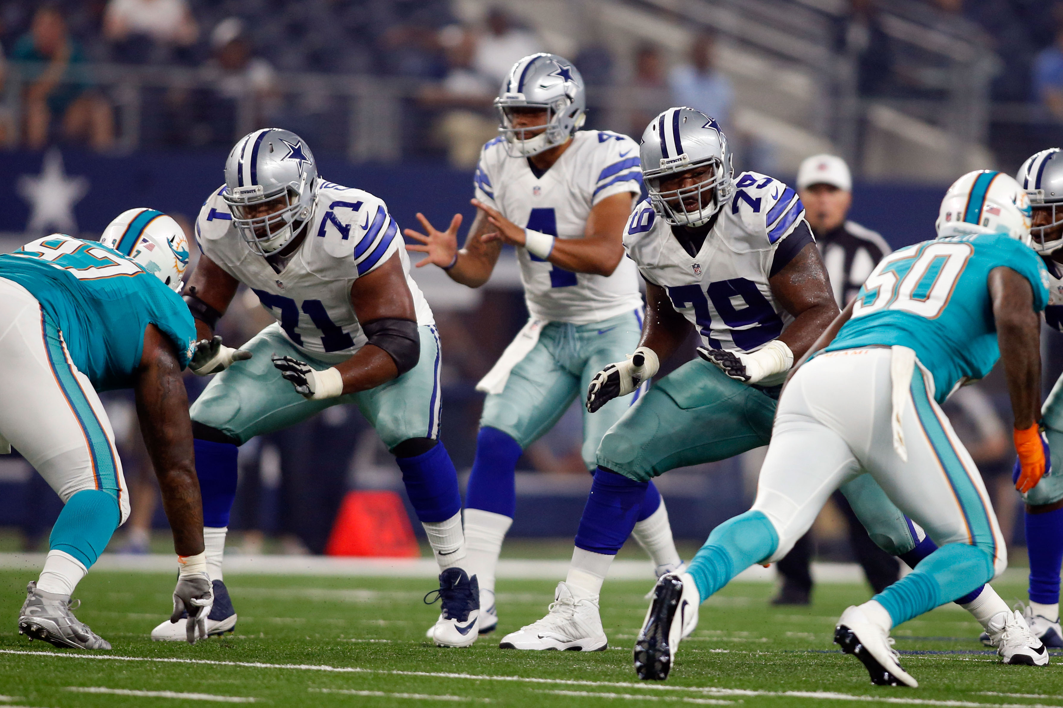 Dallas cowboys la el collins at right tackle the best option for Lael williams