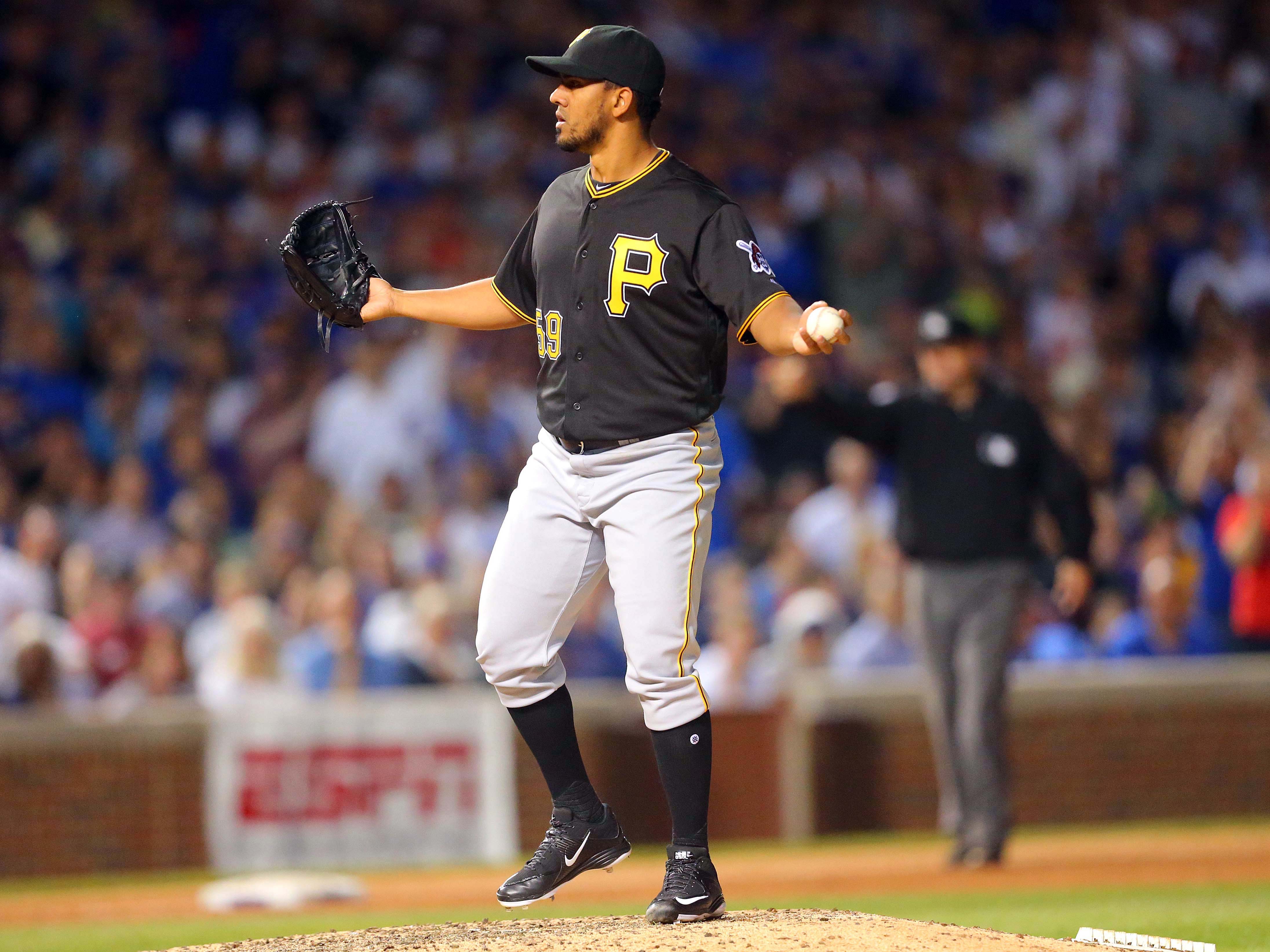9510173-mlb-pittsburgh-pirates-at-chicago-cubs