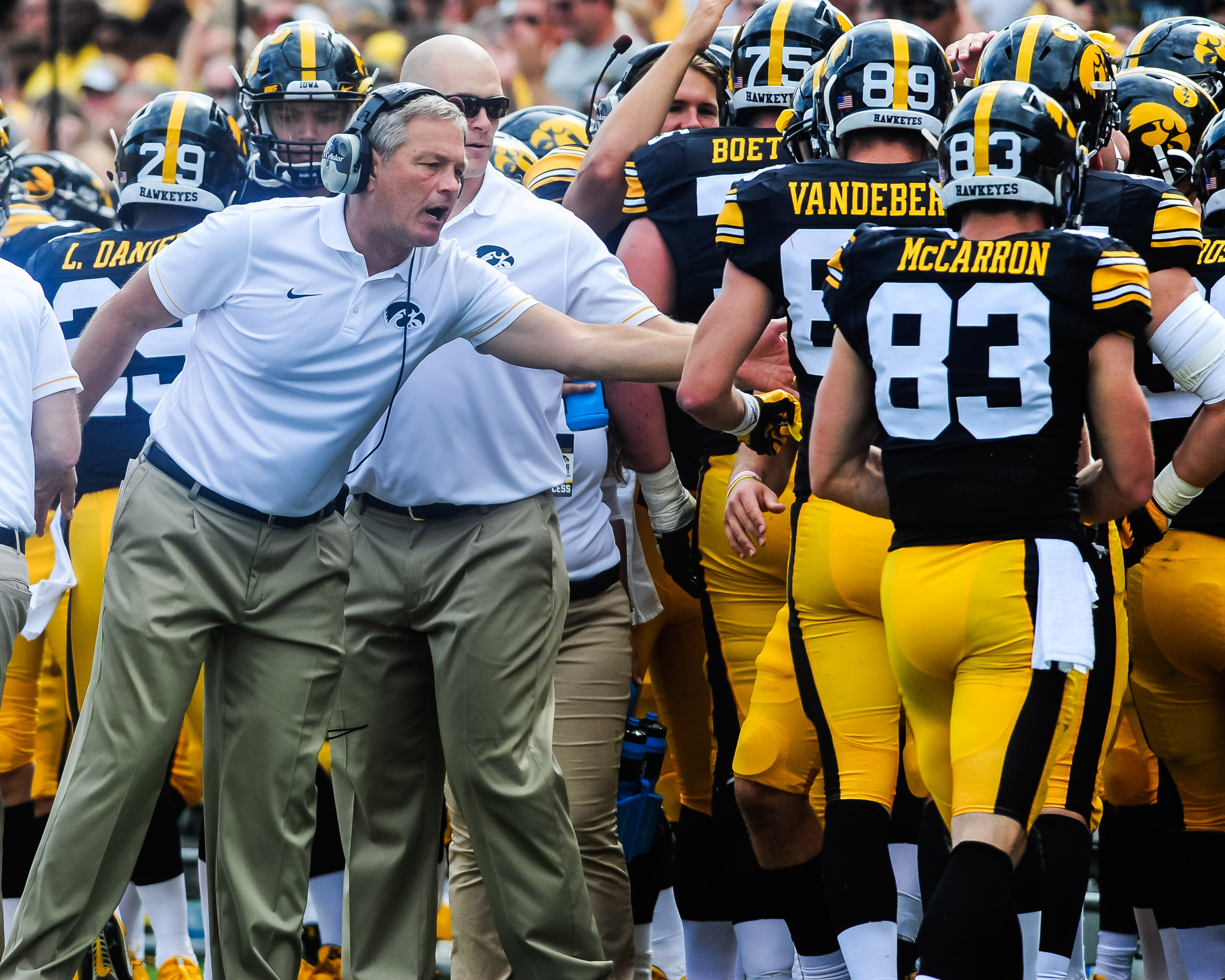 9516991-ncaa-football-miami-ohio-at-iowa