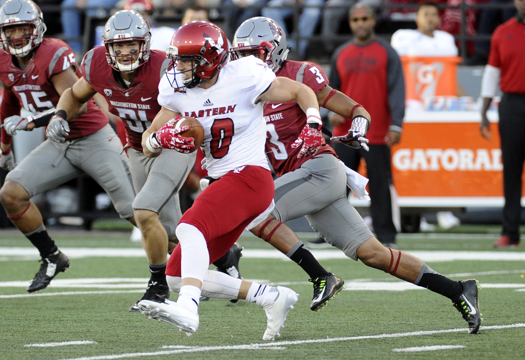 9518453-ncaa-football-eastern-washington-at-washington-state-1
