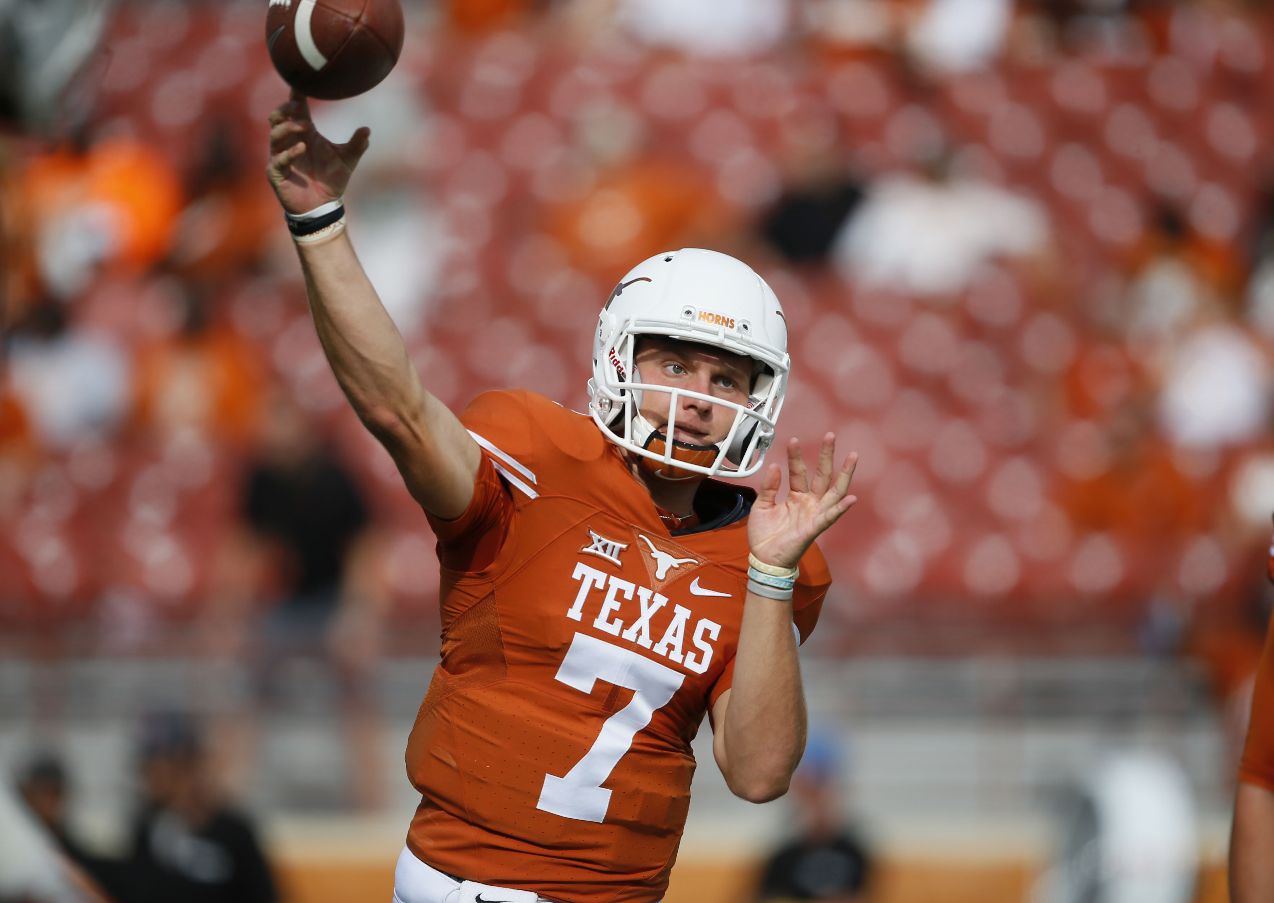 9532310-ncaa-football-texas-el-paso-at-texas