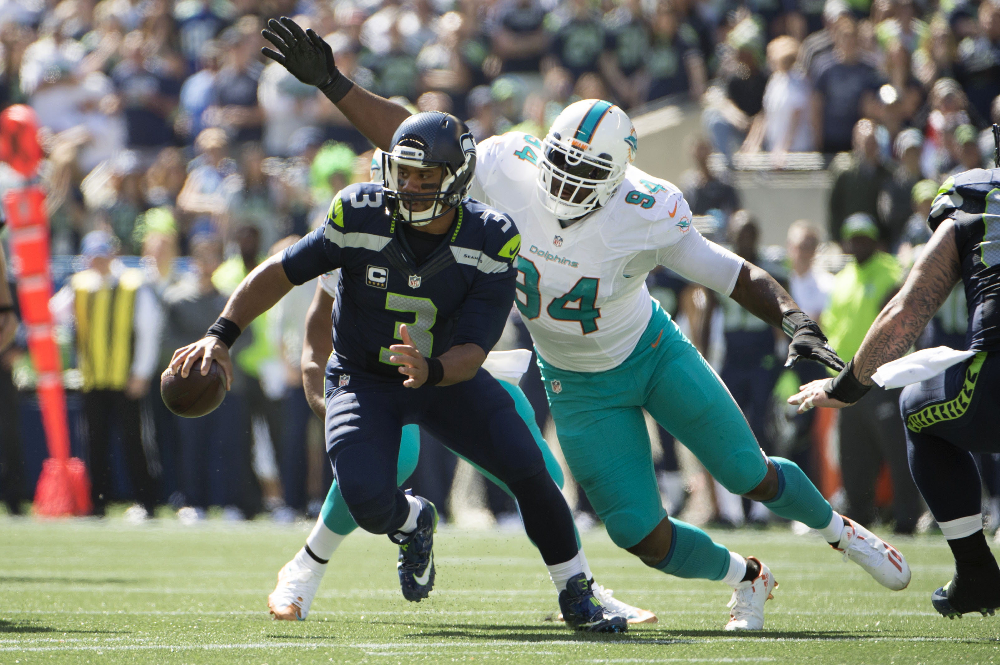 9536416-nfl-miami-dolphins-at-seattle-seahawks