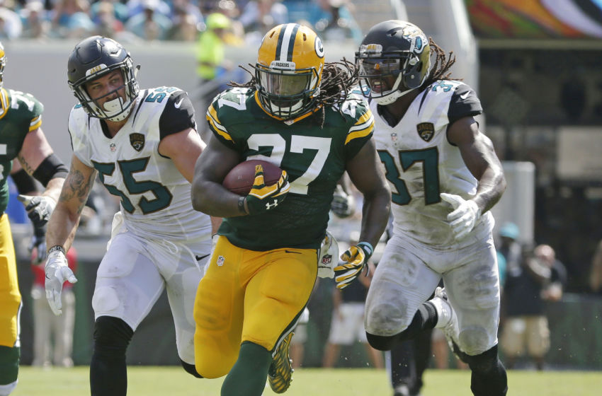 Sep 11, 2016; Jacksonville, FL, USA; Green Bay Packers running back Eddie Lacy (27) picks up 28 yards on a carry during a 27-23 win over the Jacksonville Jaguars at Everbank Field. Mandatory Credit: Rick Wood/Milwaukee Journal Sentinel via USA TODAY NETWORK