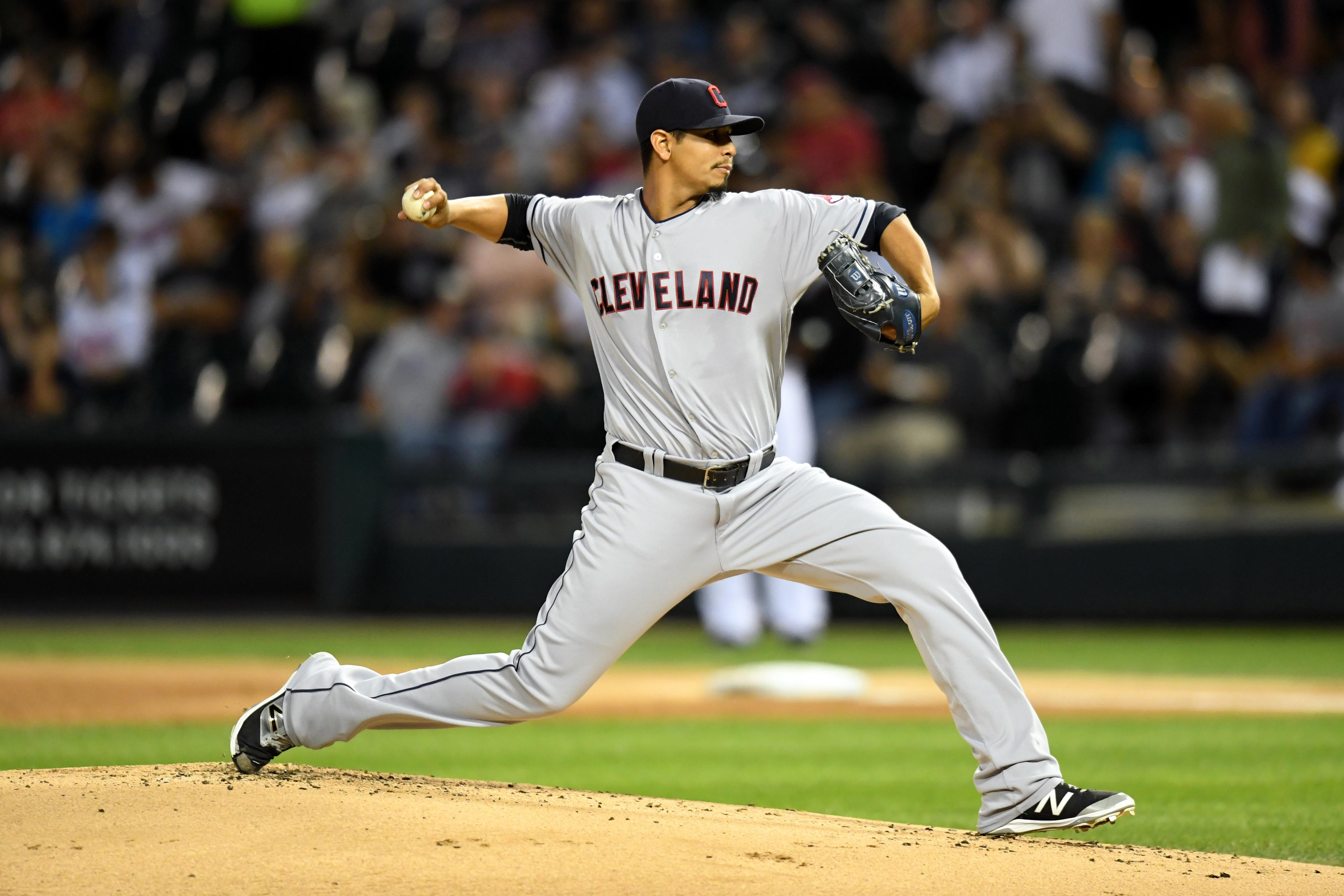 9538426-mlb-cleveland-indians-at-chicago-white-sox