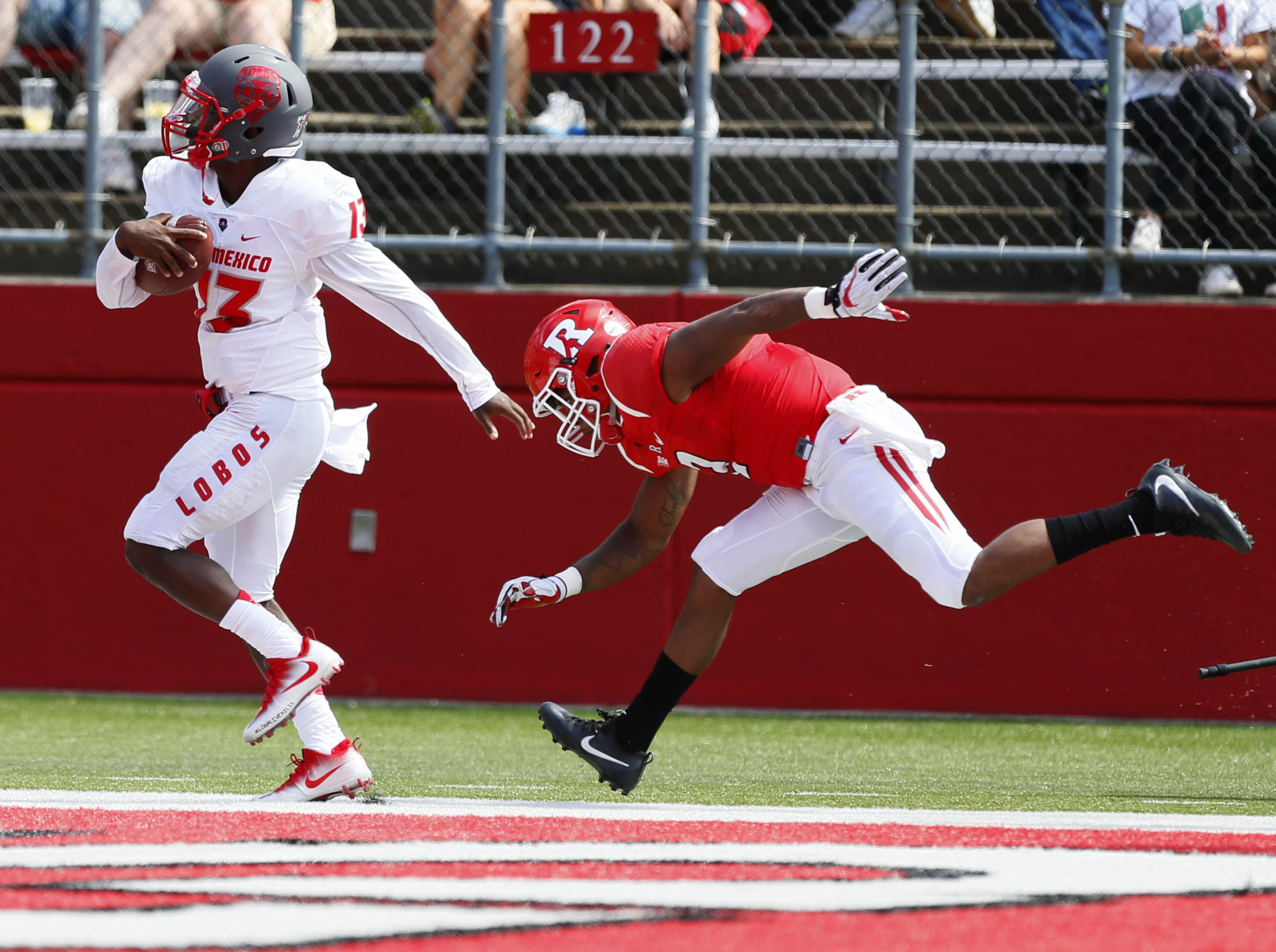 9544963-ncaa-football-new-mexico-at-rutgers-1