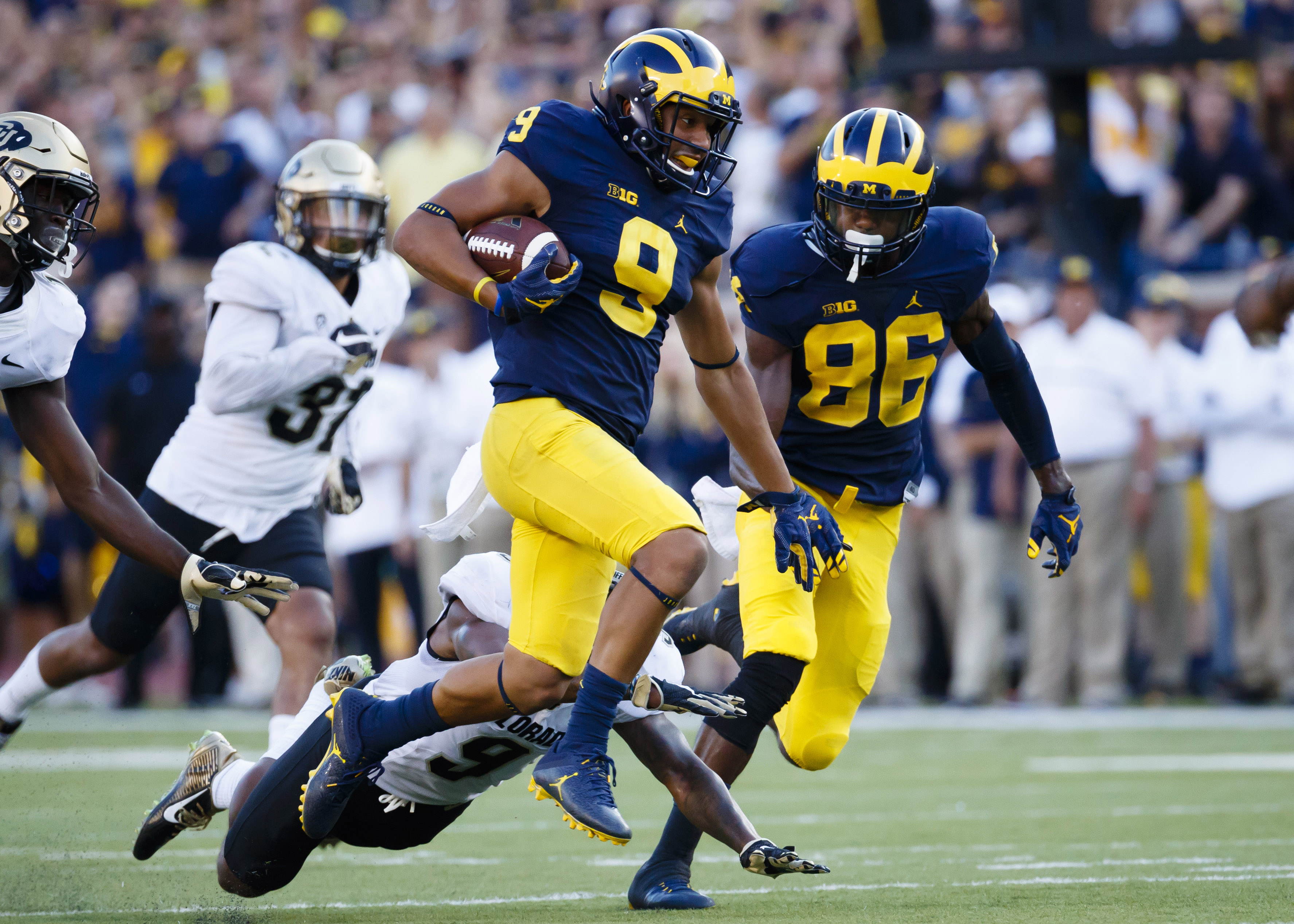9546290-ncaa-football-colorado-at-michigan