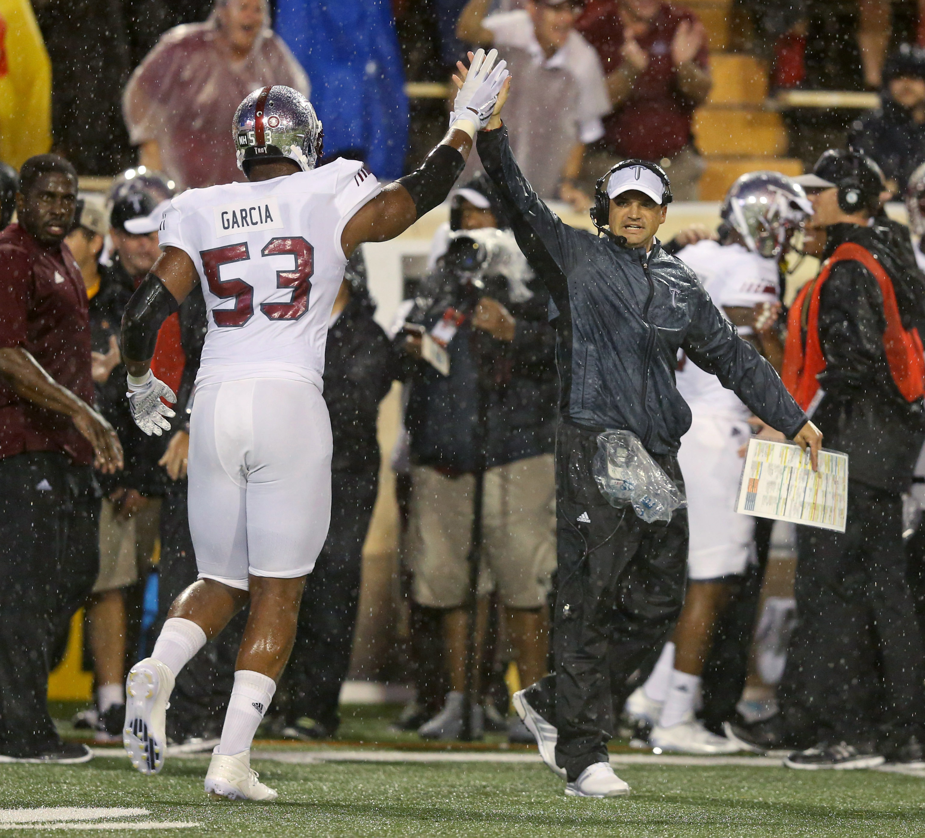 9547120-ncaa-football-troy-at-southern-mississippi-1