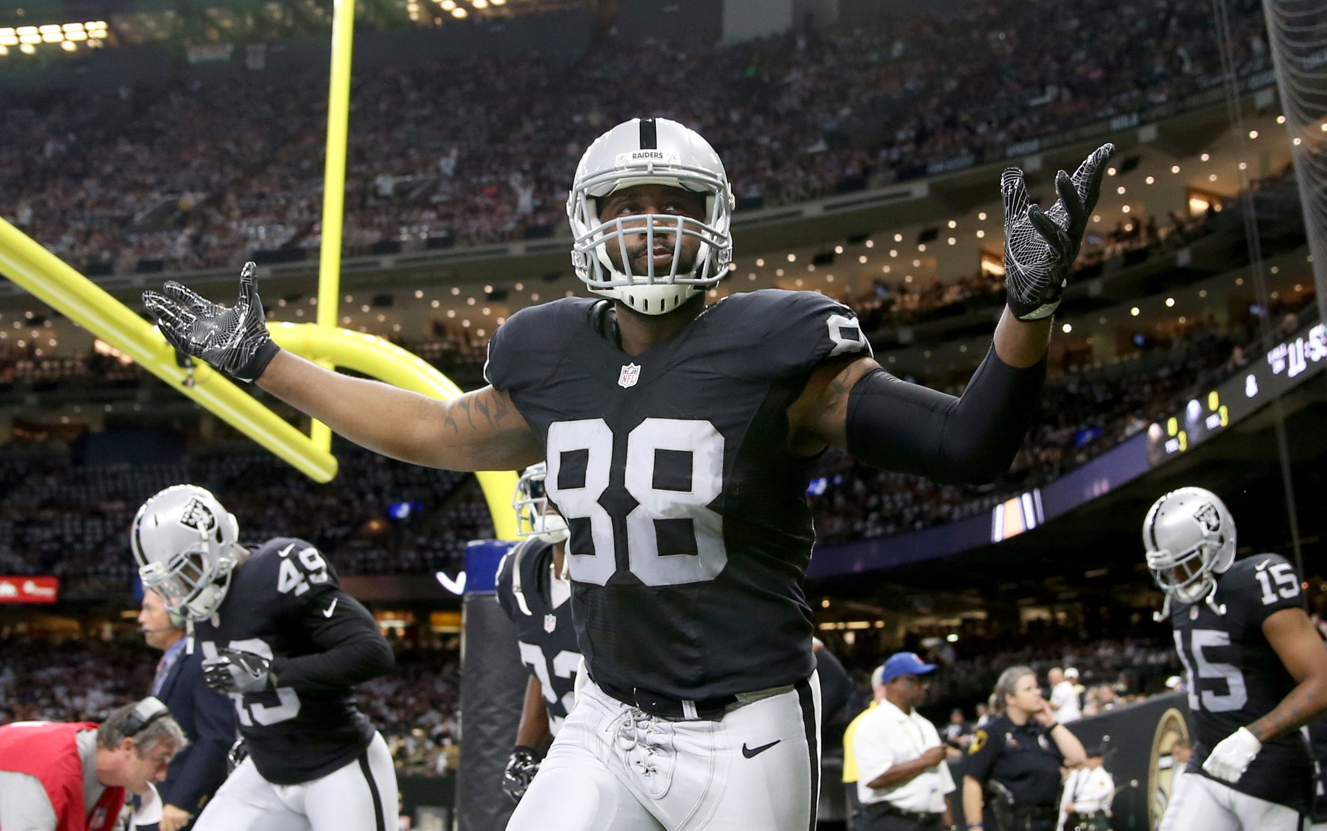 9548287-nfl-oakland-raiders-at-new-orleans-saints
