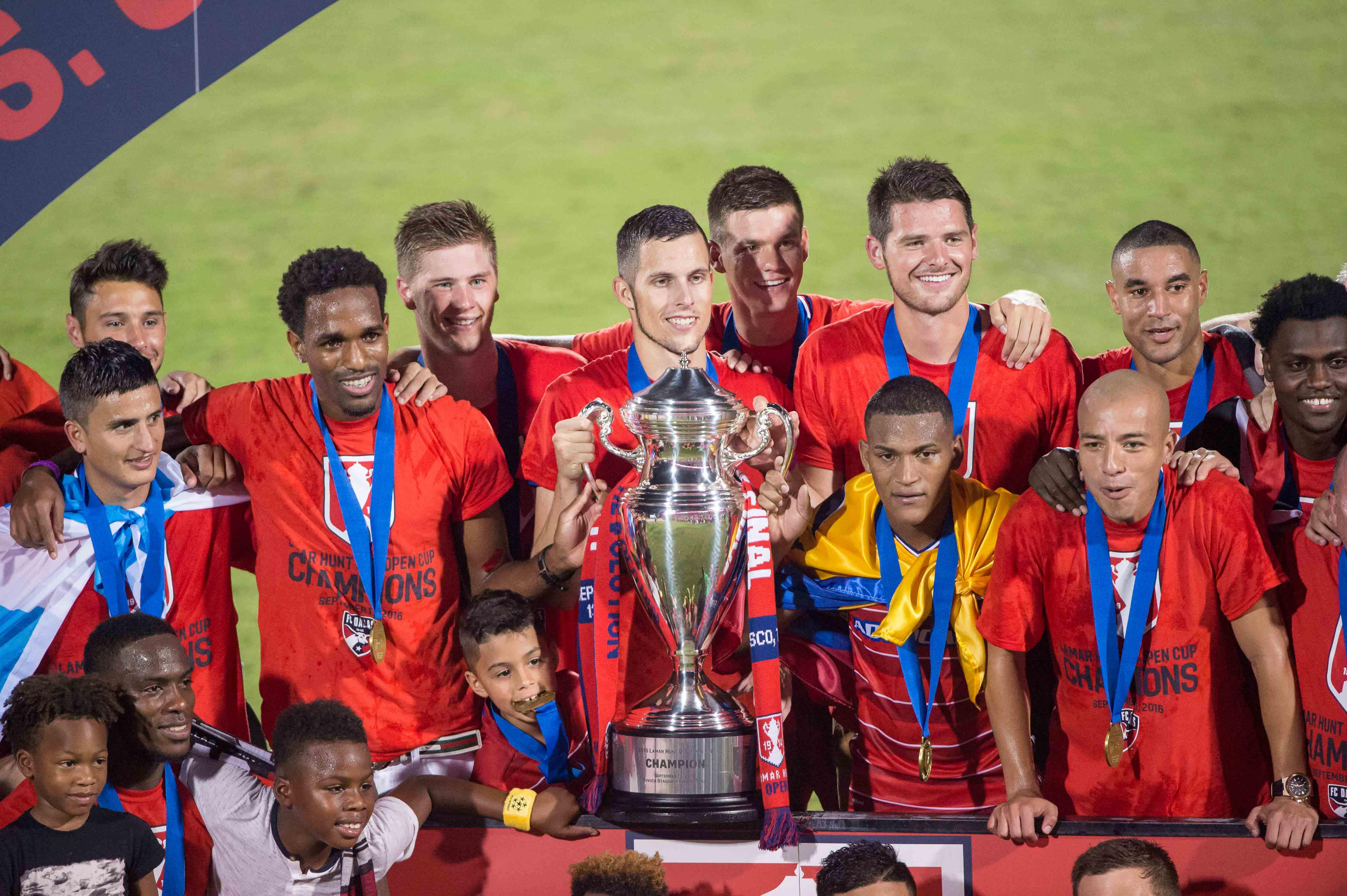 9552913-mls-u.s.-open-cup-final-new-england-revolution-vs-fc-dallas