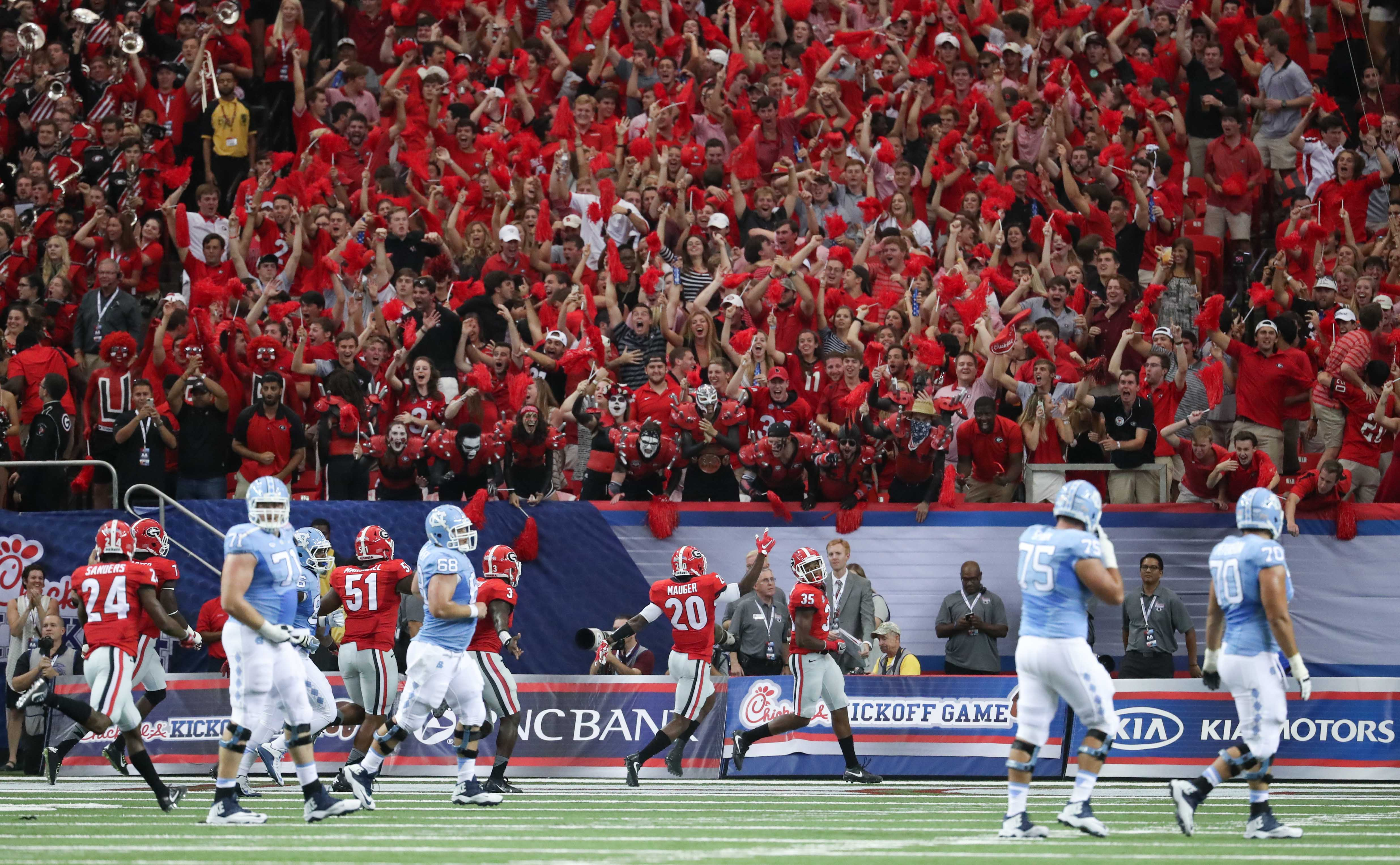 9553178-ncaa-football-north-carolina-vs-georgia
