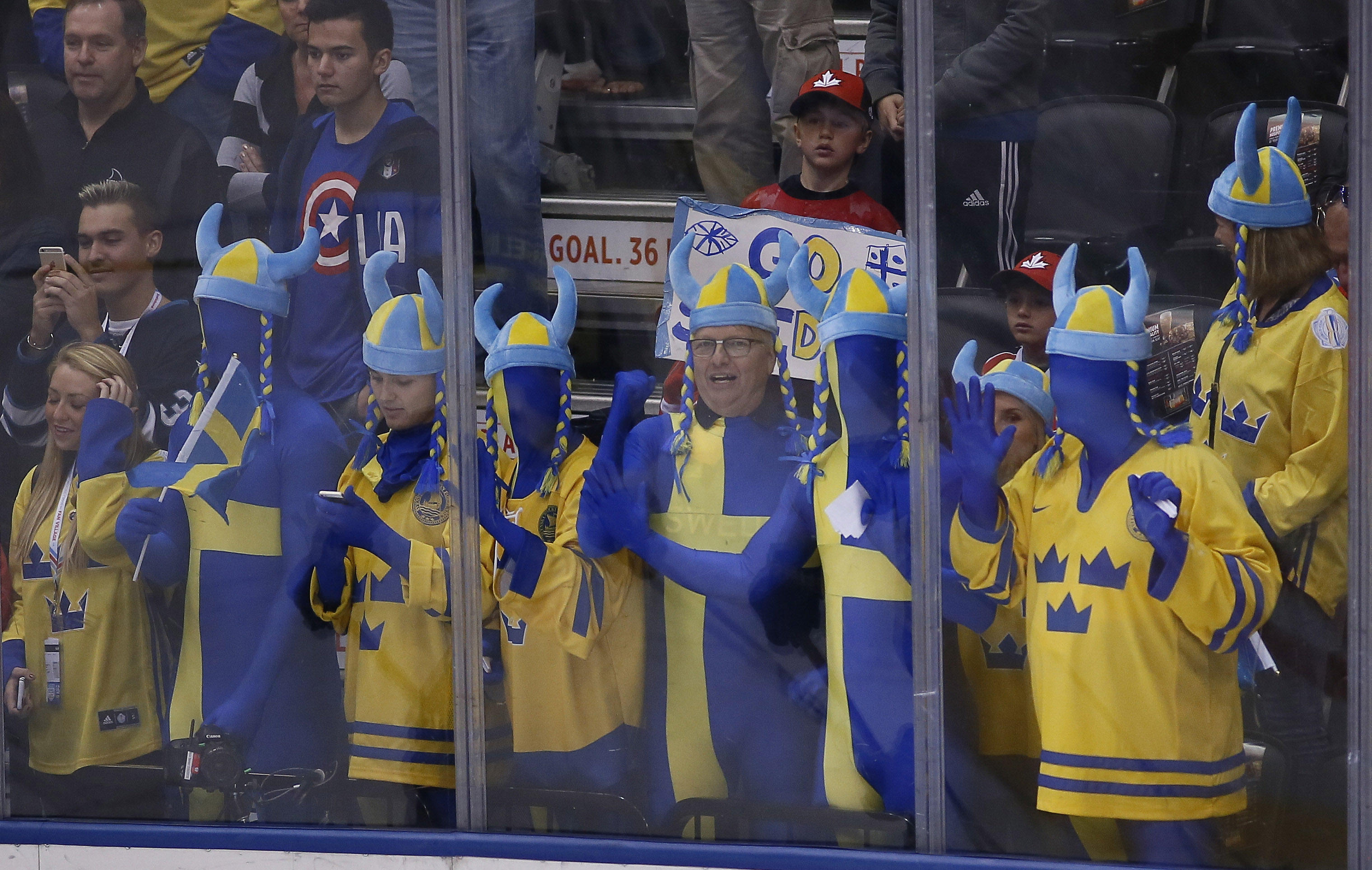 9564023-hockey-world-cup-of-hockey-semifinals-europe-vs-sweden
