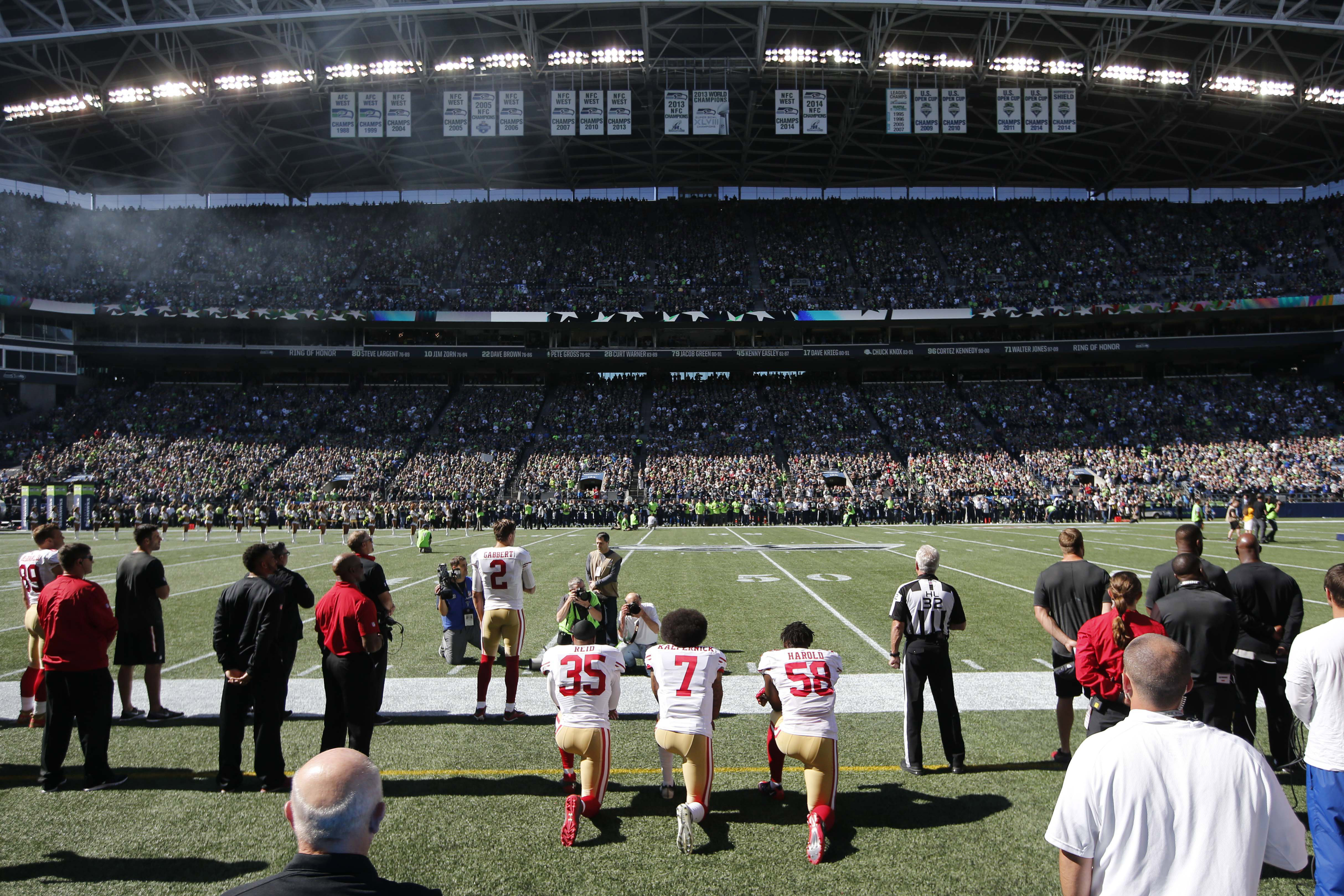 9564783-nfl-san-francisco-49ers-at-seattle-seahawks