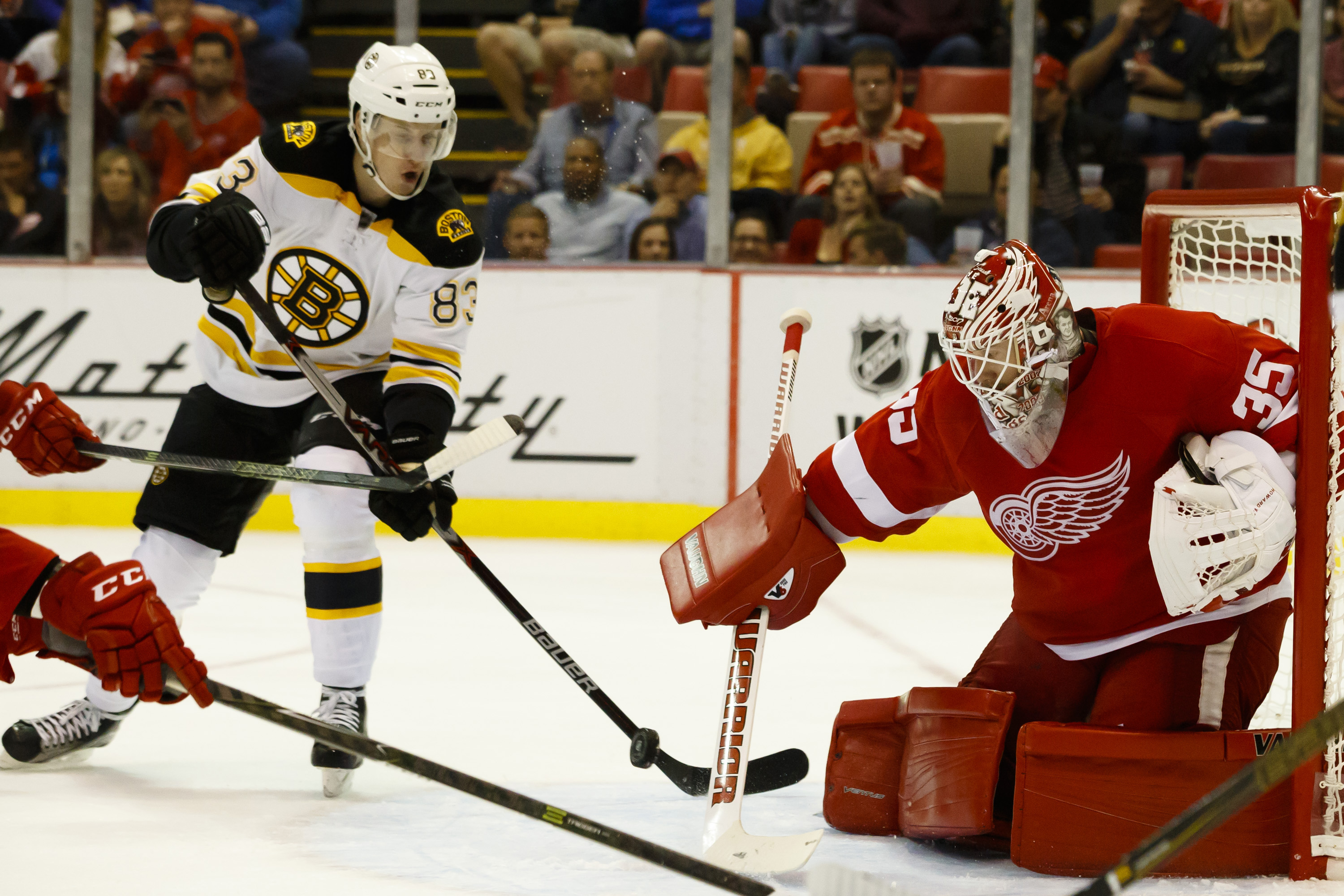 9578304-nhl-preseason-boston-bruins-at-detroit-red-wings
