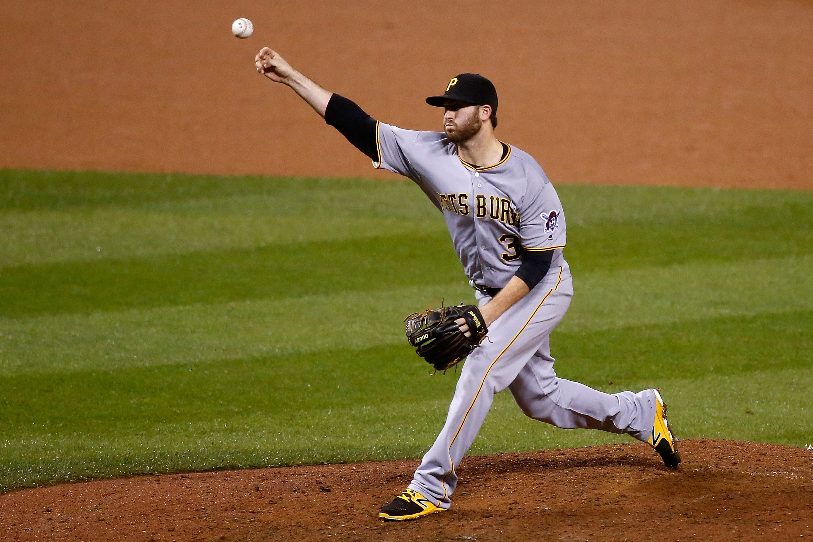 9578779-mlb-pittsburgh-pirates-at-st.-louis-cardinals