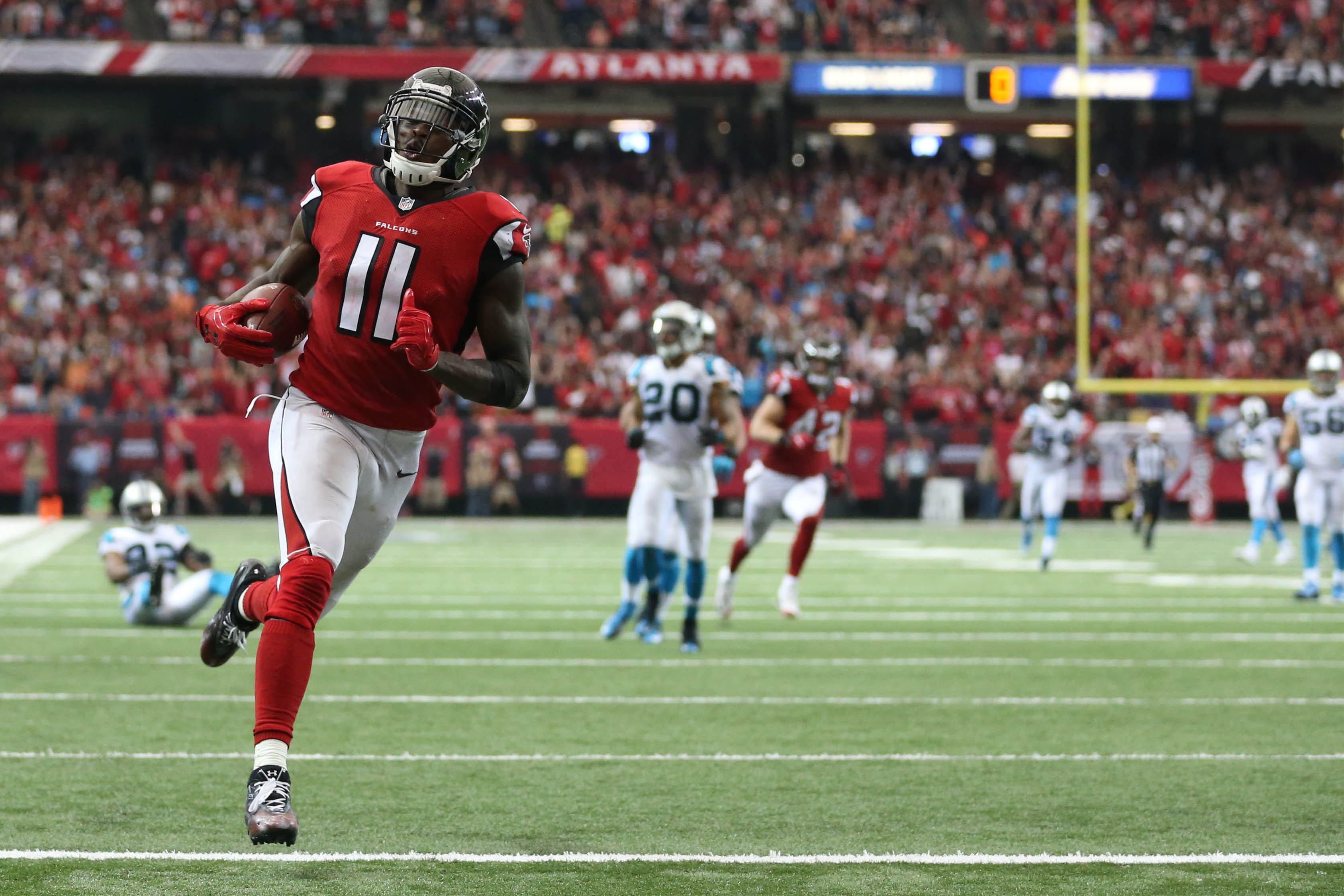 9585819-nfl-carolina-panthers-at-atlanta-falcons