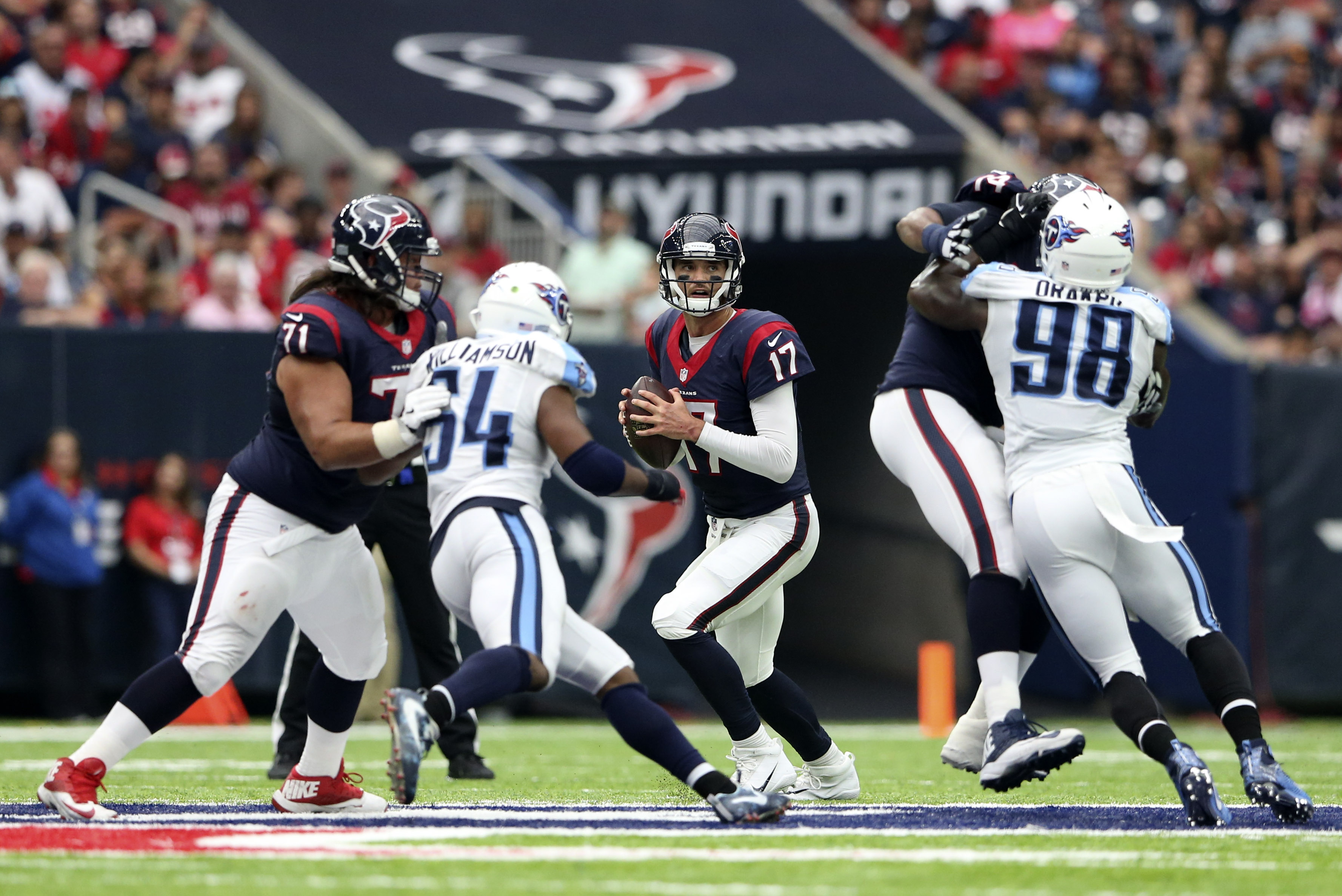 9585939-nfl-tennessee-titans-at-houston-texans