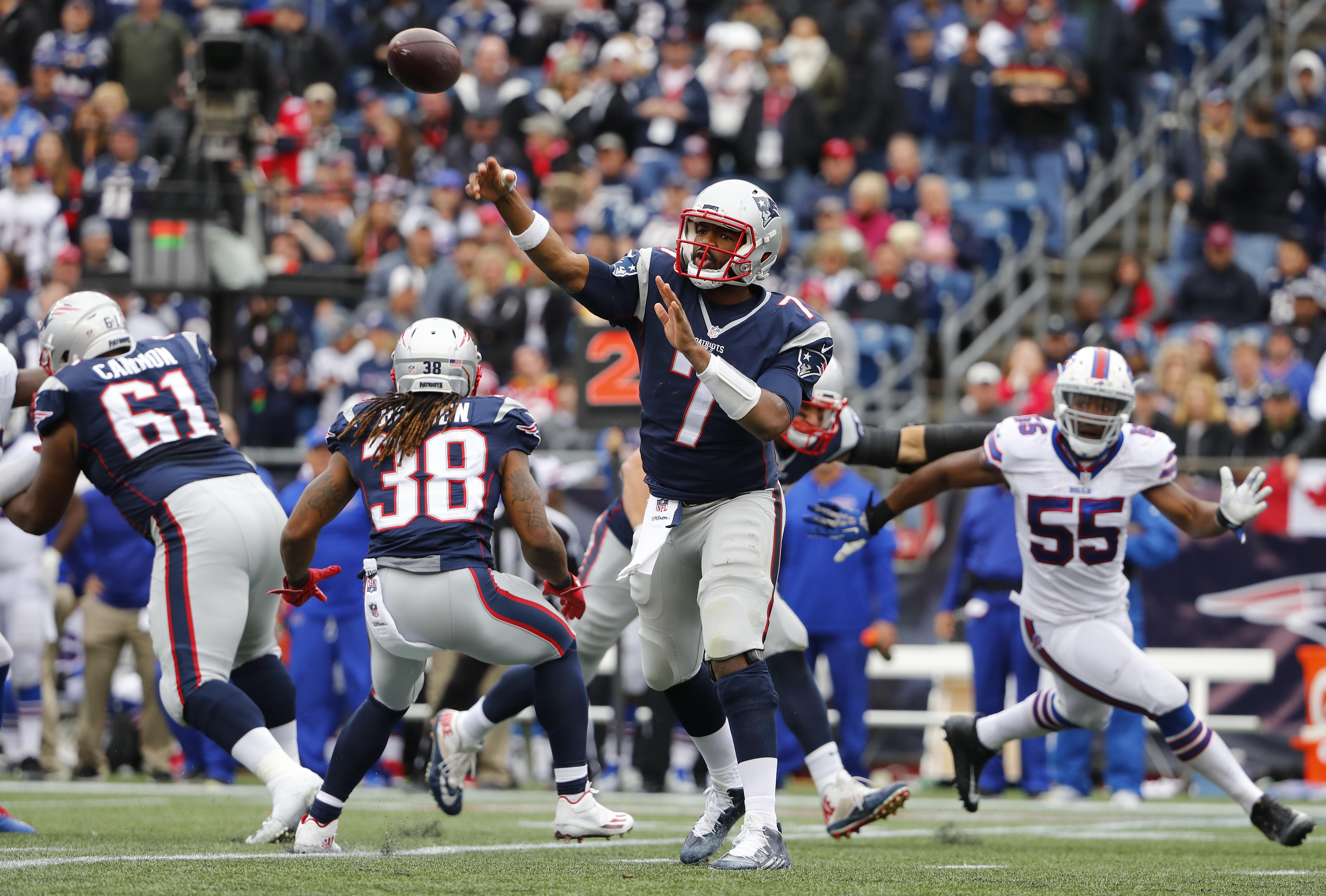 9586291-nfl-buffalo-bills-at-new-england-patriots