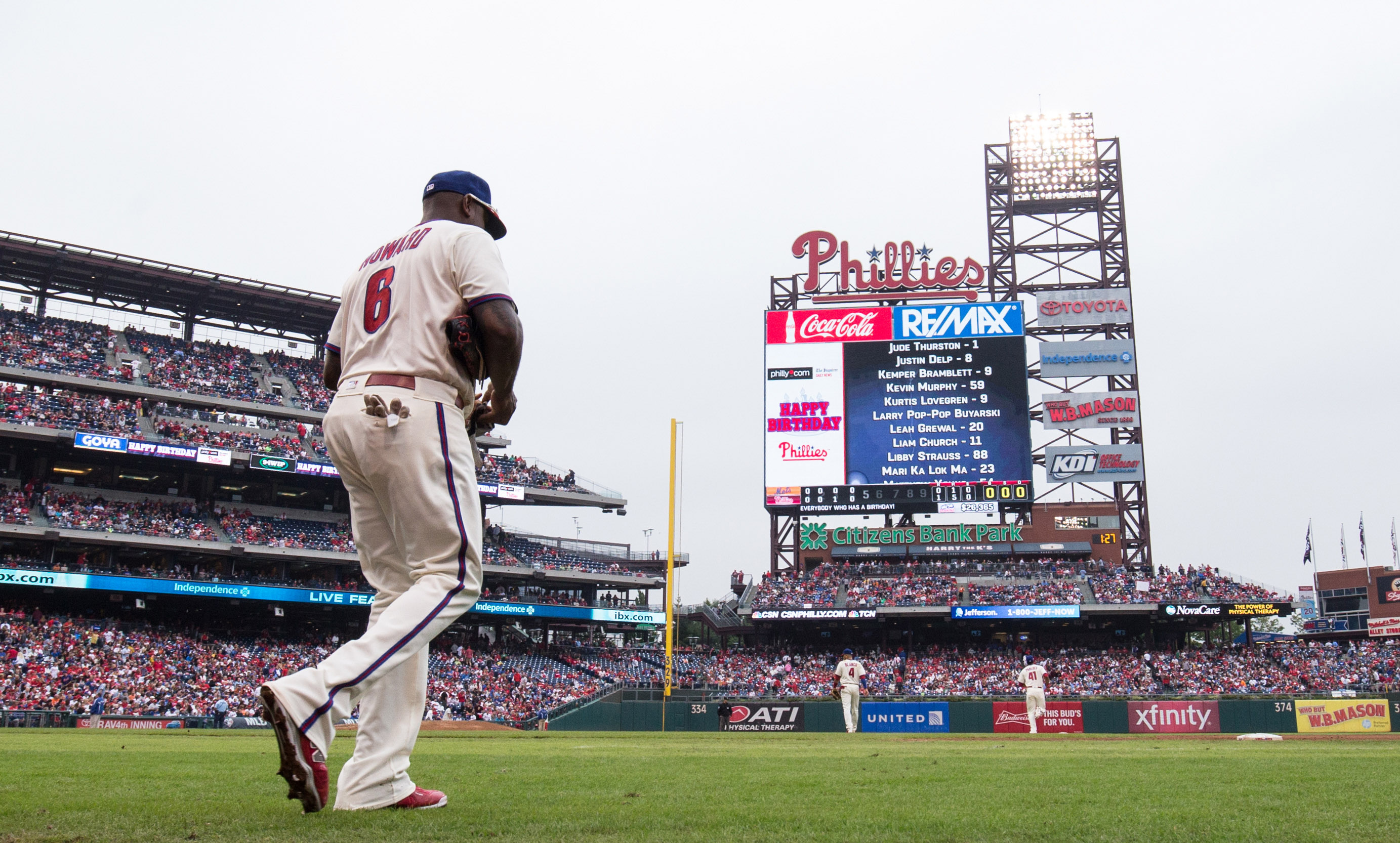 9586521-mlb-new-york-mets-at-philadelphia-phillies