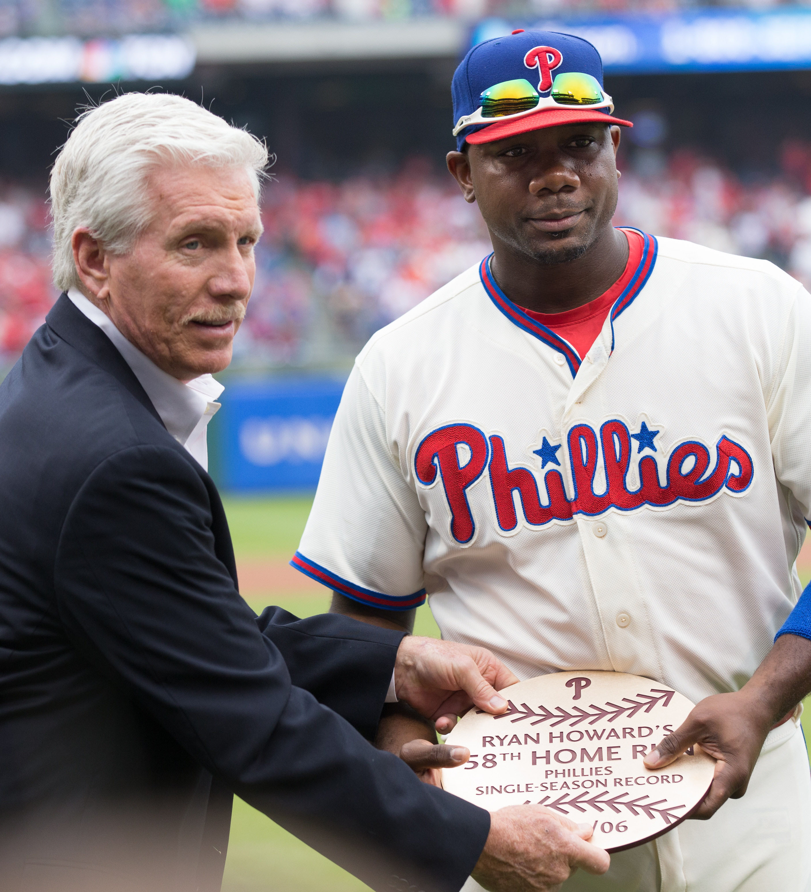 Braves release former MVP Ryan Howard from minor league deal