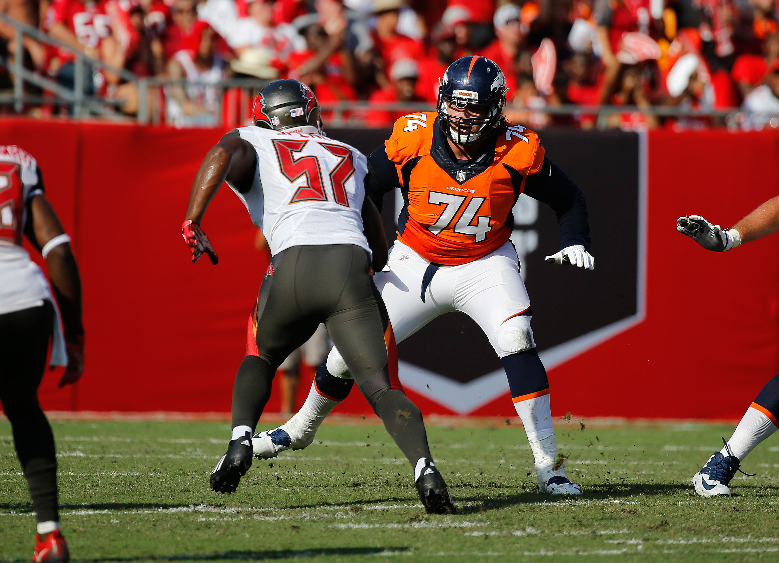 9594045-nfl-denver-broncos-at-tampa-bay-buccaneers