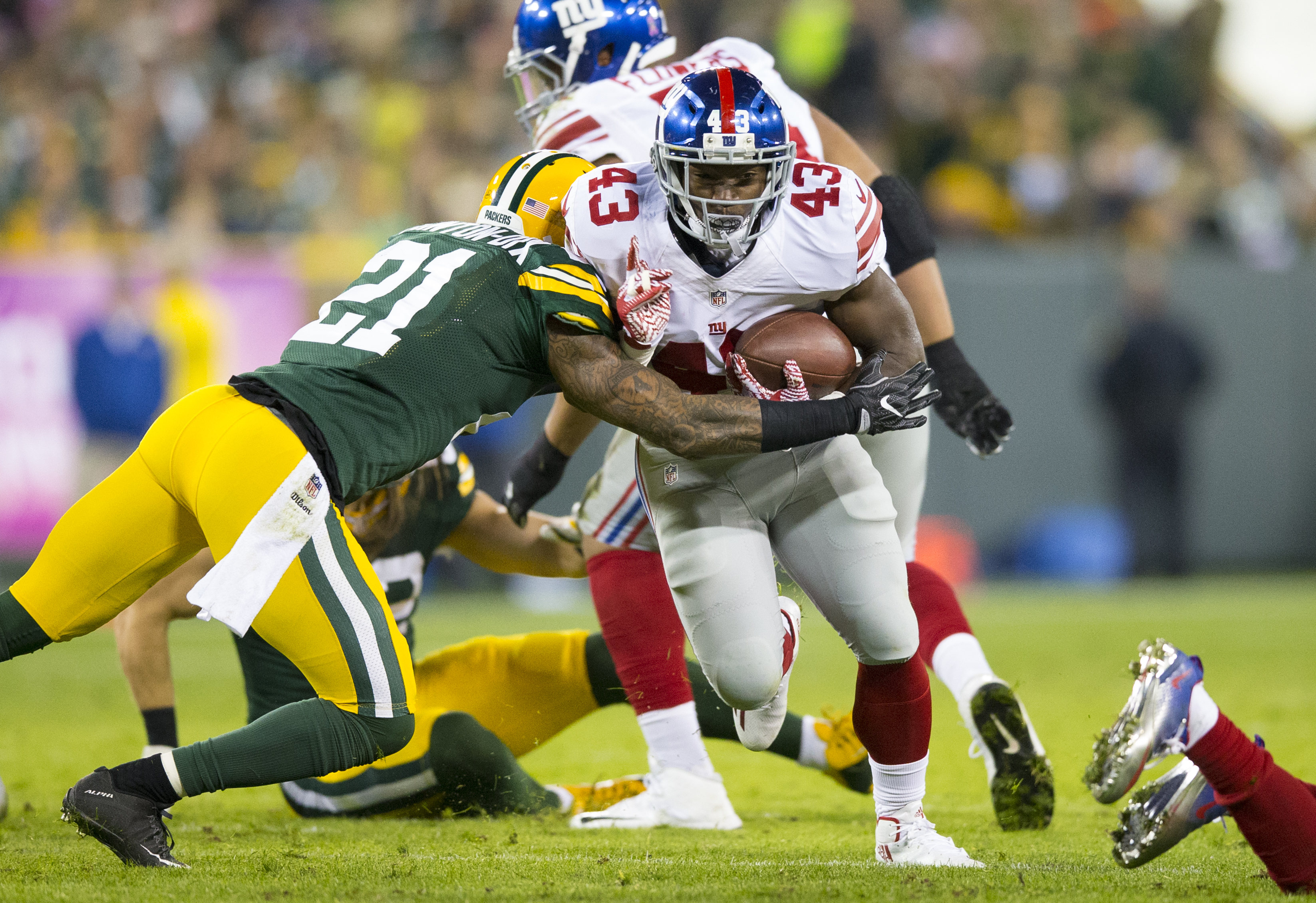 9599651-nfl-new-york-giants-at-green-bay-packers