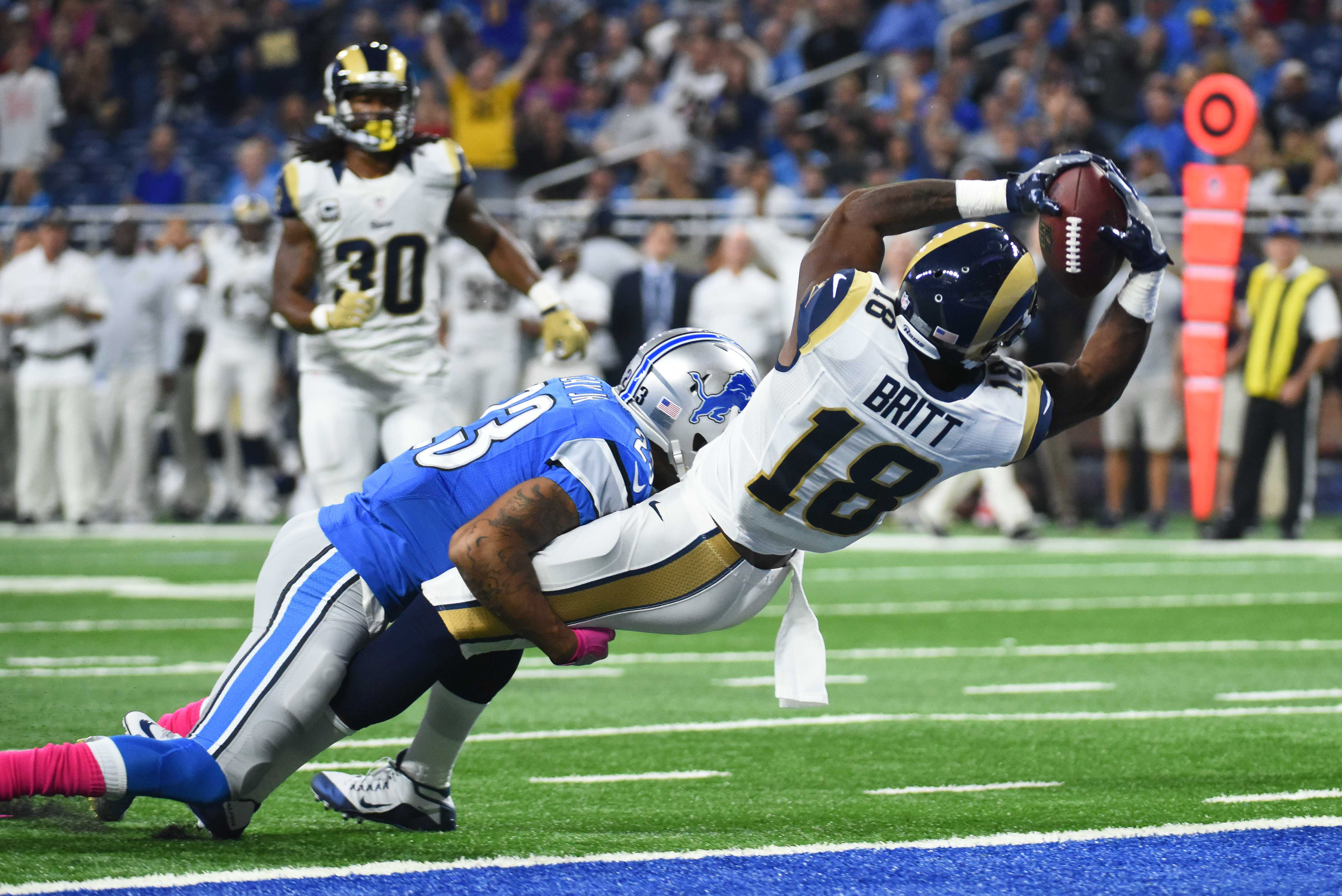 9612227-nfl-los-angeles-rams-at-detroit-lions