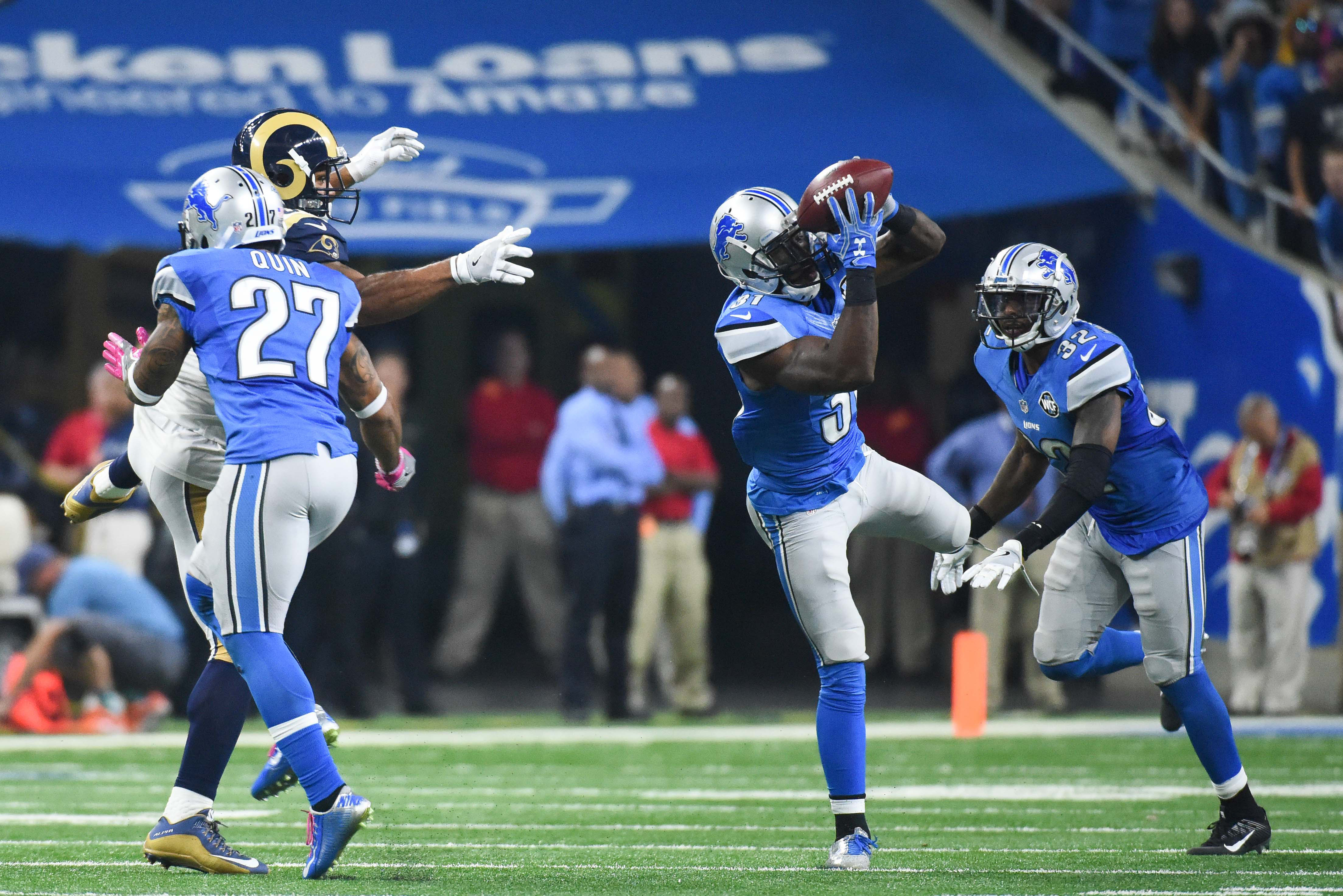 9612616-nfl-los-angeles-rams-at-detroit-lions