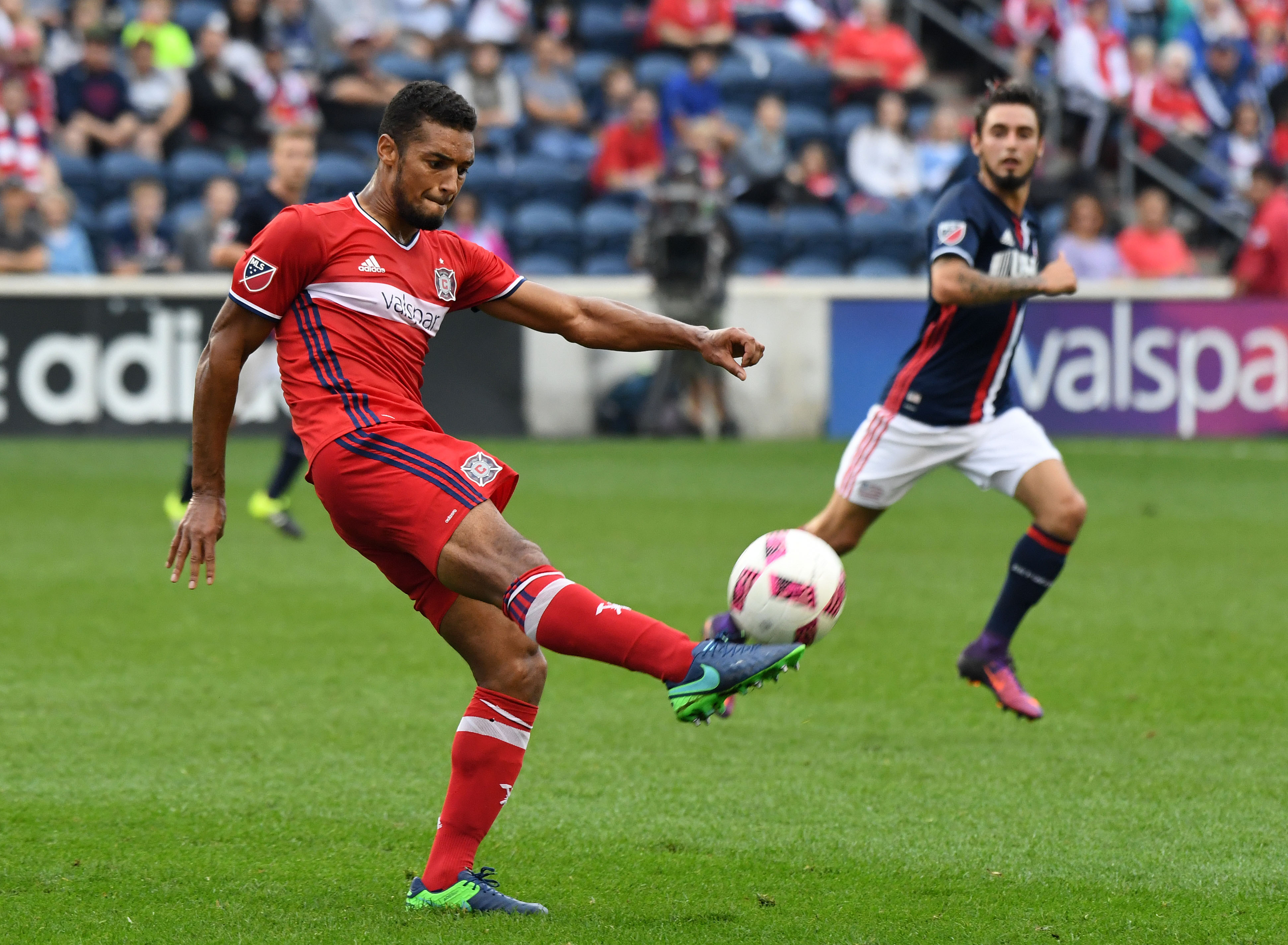9613442-mls-new-england-revolution-at-chicago-fire