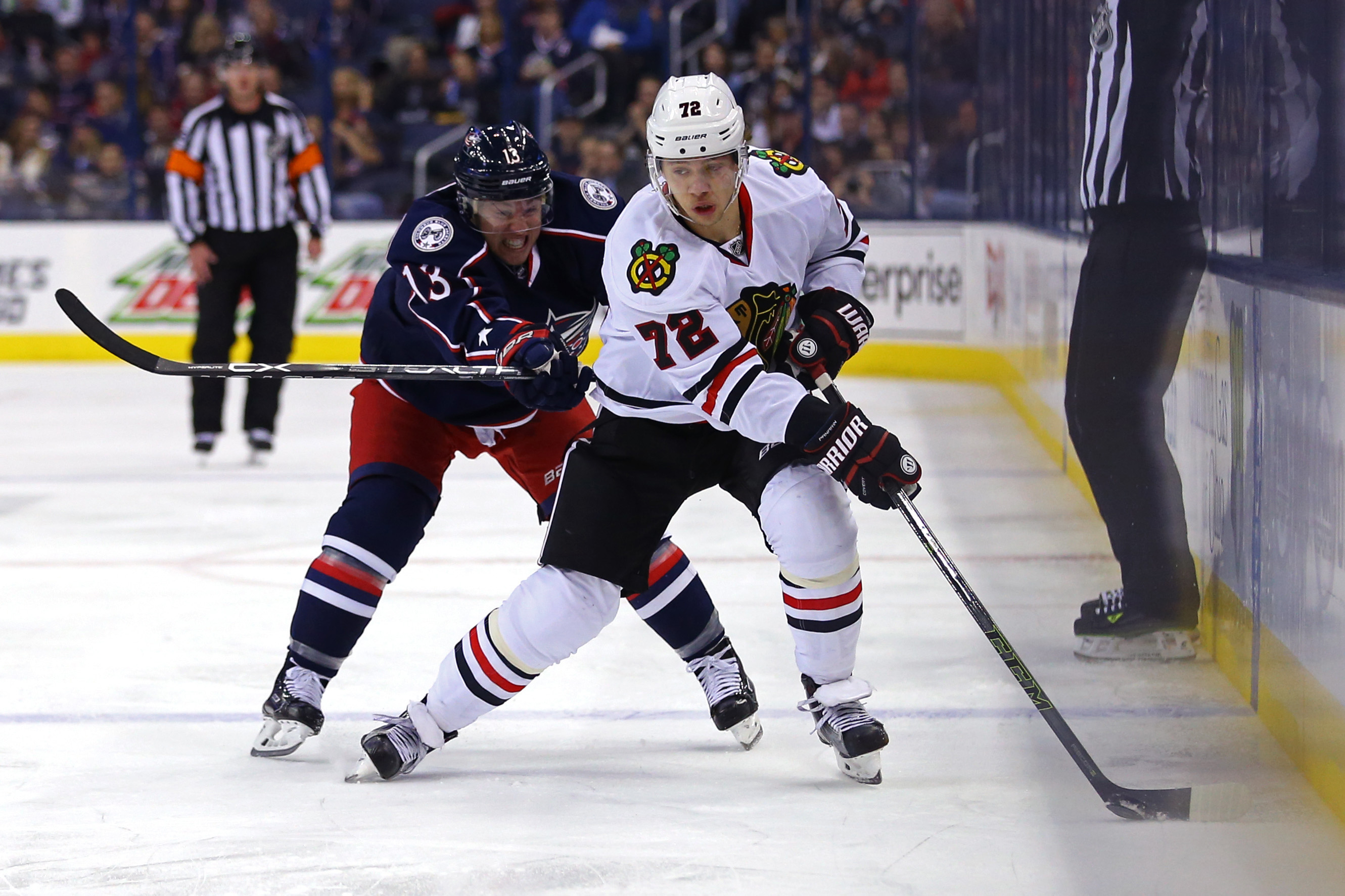 9623492-nhl-chicago-blackhawks-at-columbus-blue-jackets