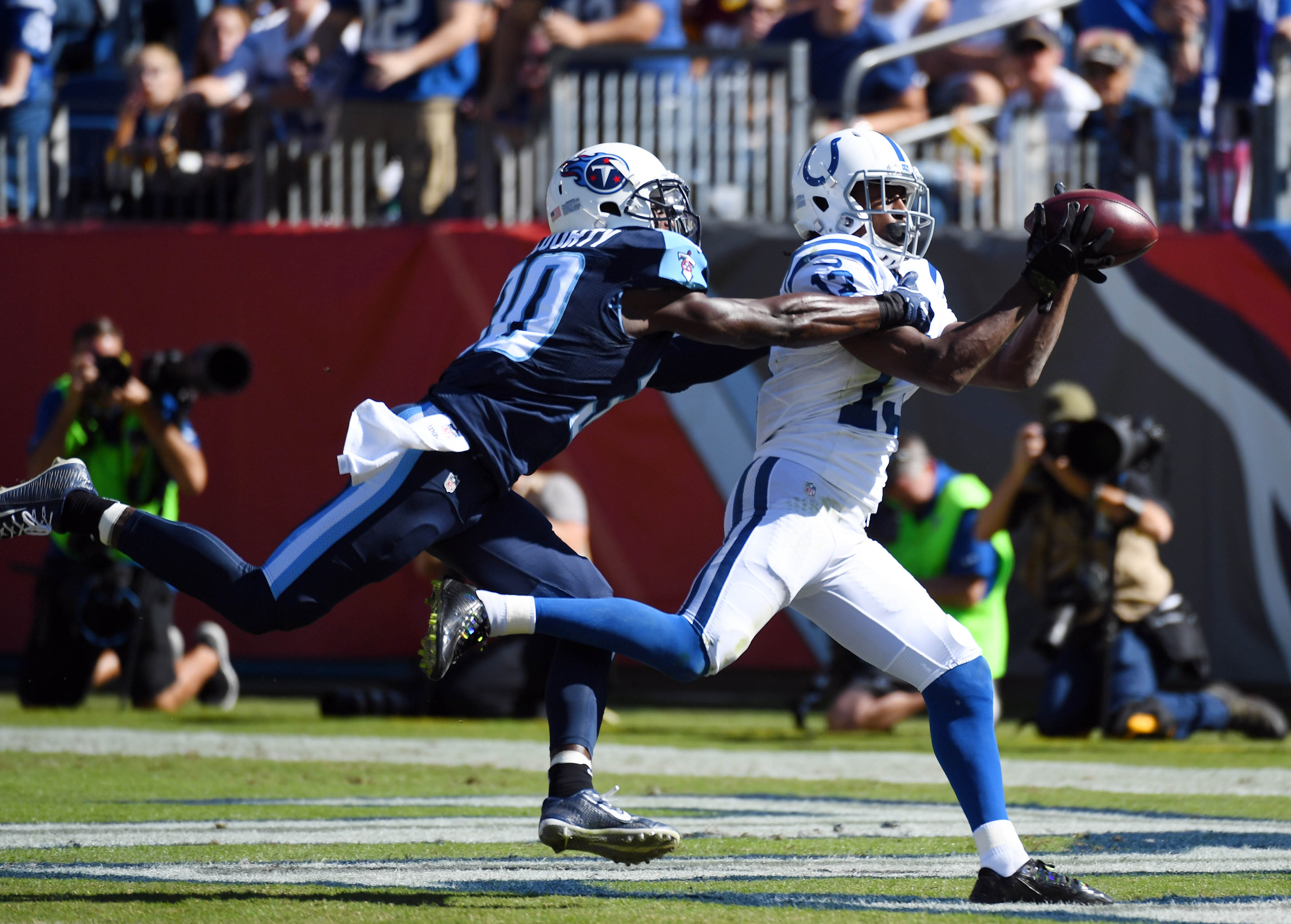 9627664-nfl-indianapolis-colts-at-tennessee-titans