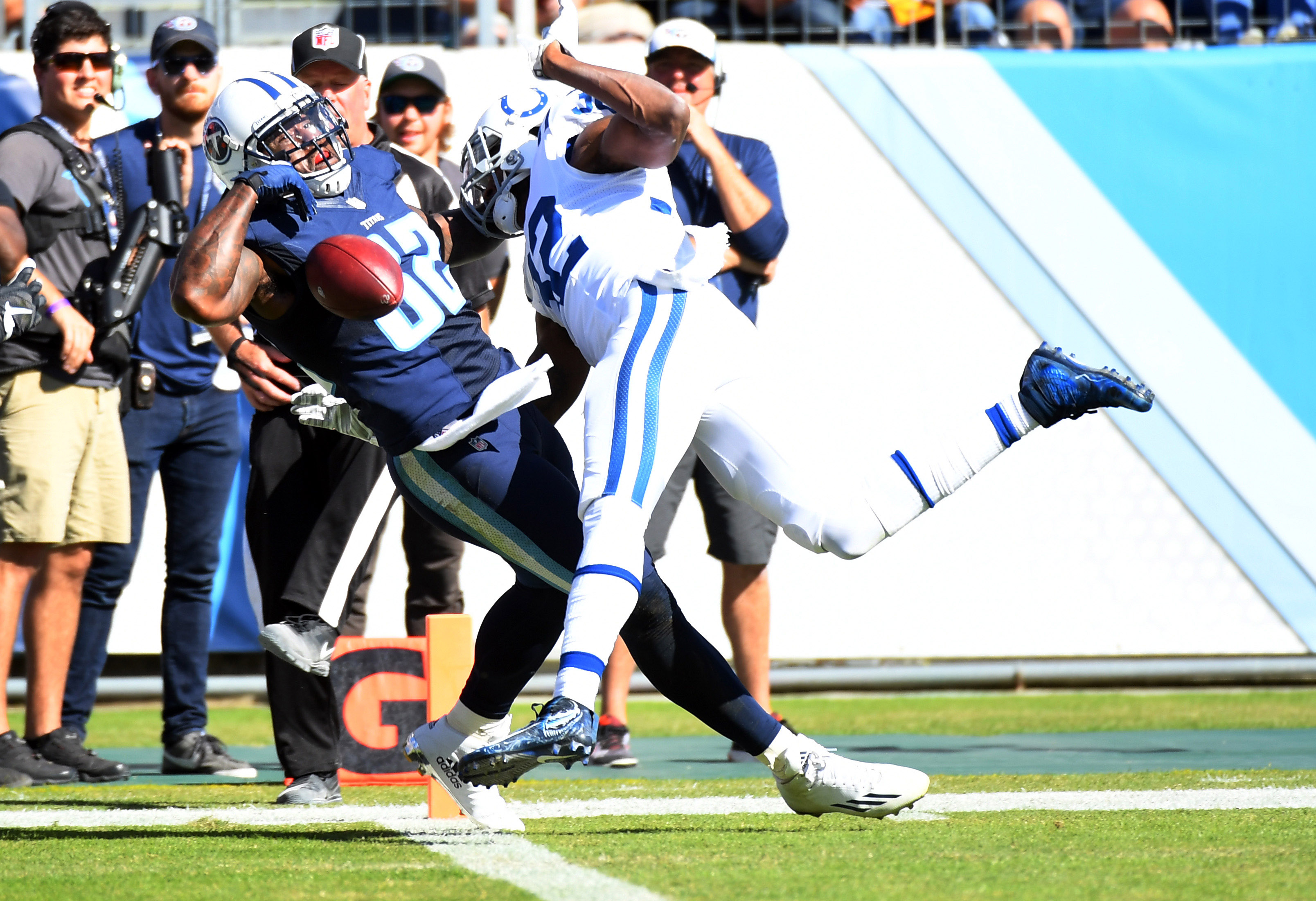 9627726-nfl-indianapolis-colts-at-tennessee-titans